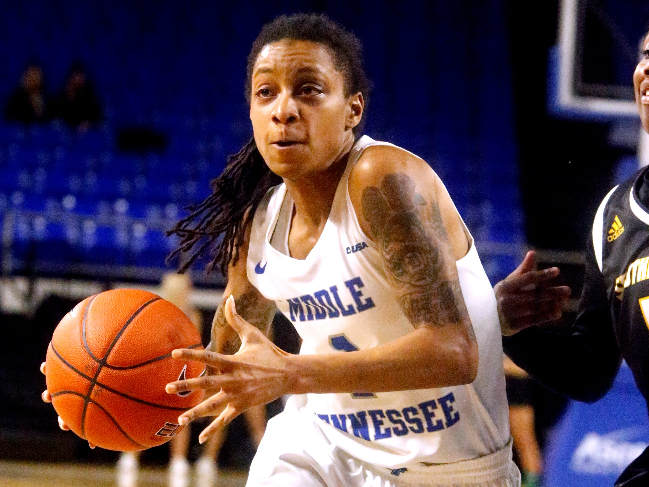 MTSU's guard A'Queen Hayes (1) drives to the basket during a game against Southern Miss on Thursday Jan. 10, 2019.
