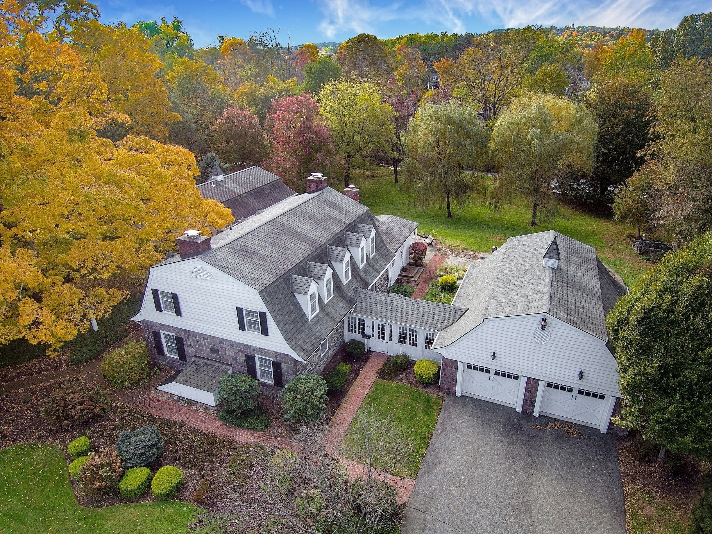 Aerial view of Van Saun home.