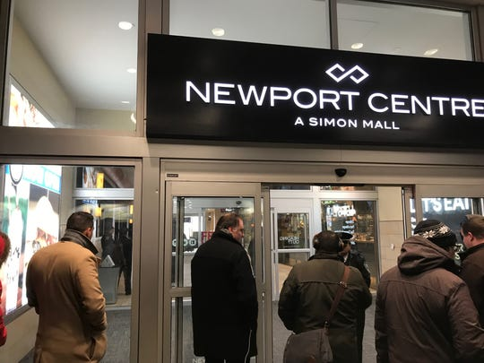 Police Blocking An Entrance To The Newport Centre Mall In Jersey City Nj On Friday