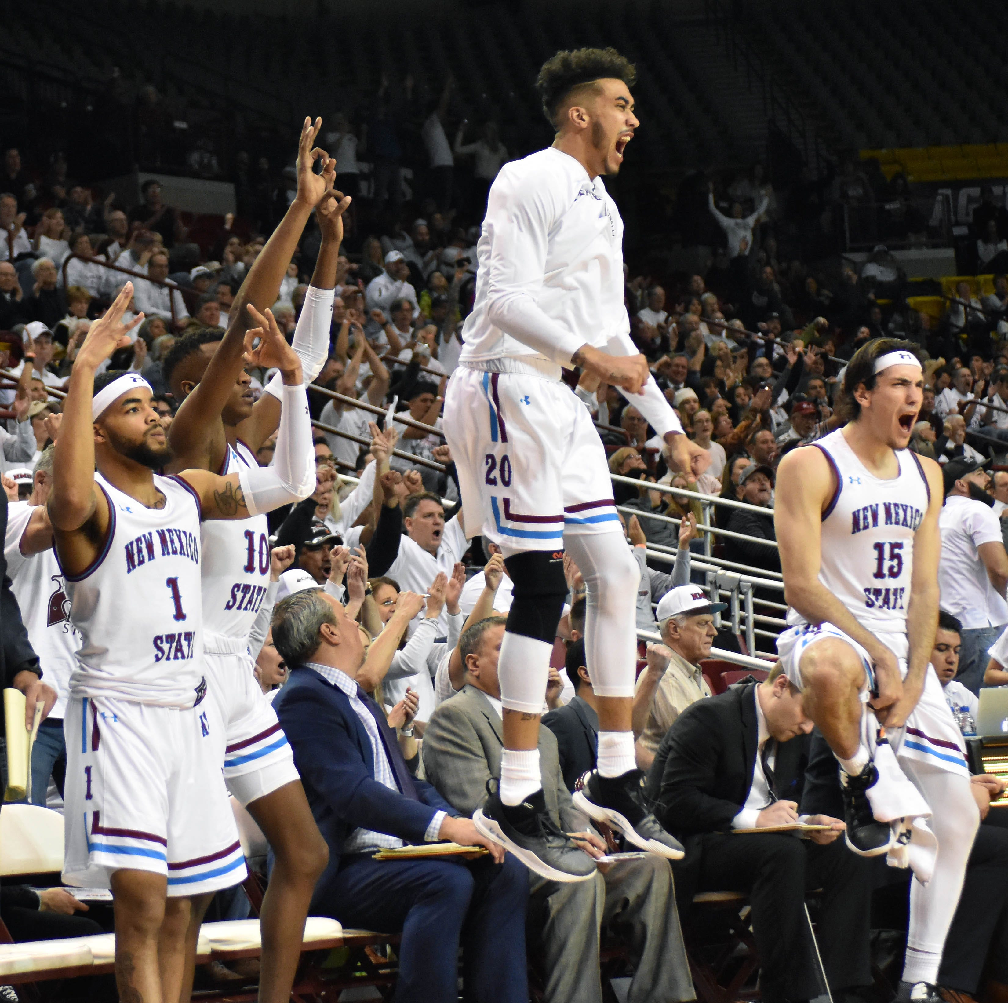 Johnny McCants buzzer beater lifts New Mexico State to victory over Grand Canyon