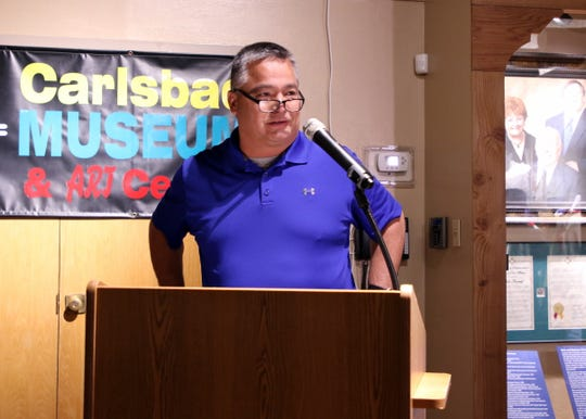 Steve Garza, a friend and teammate of Shane Andrews, talks during Friday's Carlsbad Hall of Fame Induction.