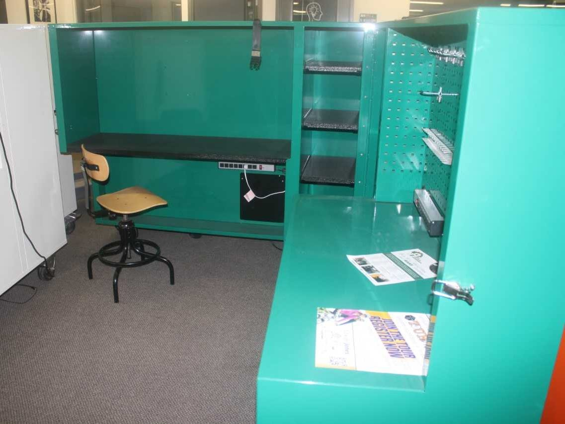 A cubicle available to members at Village Workshop.
