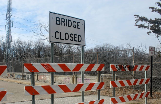 The Michigan Department of Transportation is planning the removal of Trow Bridge in Bloomfield Hills later this year.