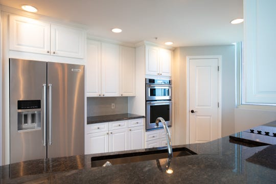 721 Pensacola Beach Boulevard - Verandas #601The kitchen is perfect for the home chef.
