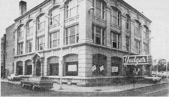 Judge's on Lake Avenue as it stood in 1980.
