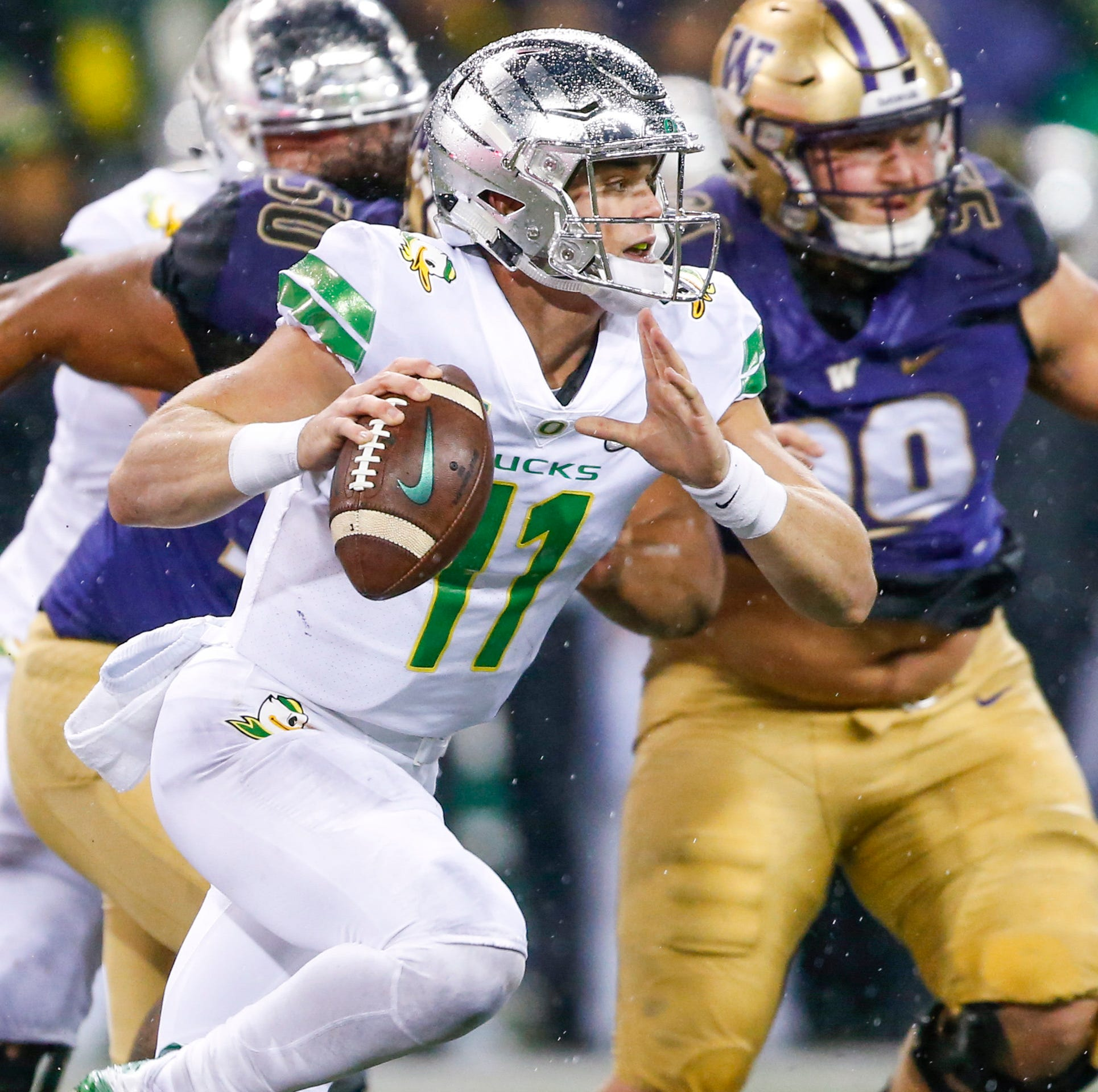 Oregon Ducks: A look at the quarterback situation without Braxton Burmeister