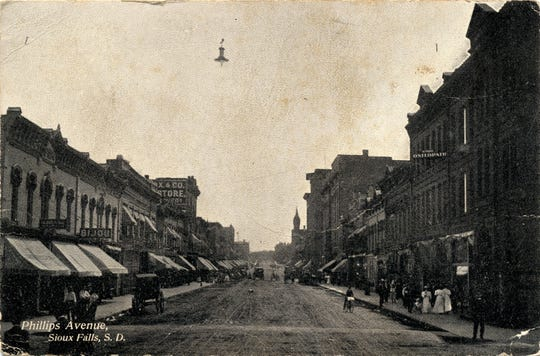 Bijou Theater on Phillips Avenue in the early 1900s.