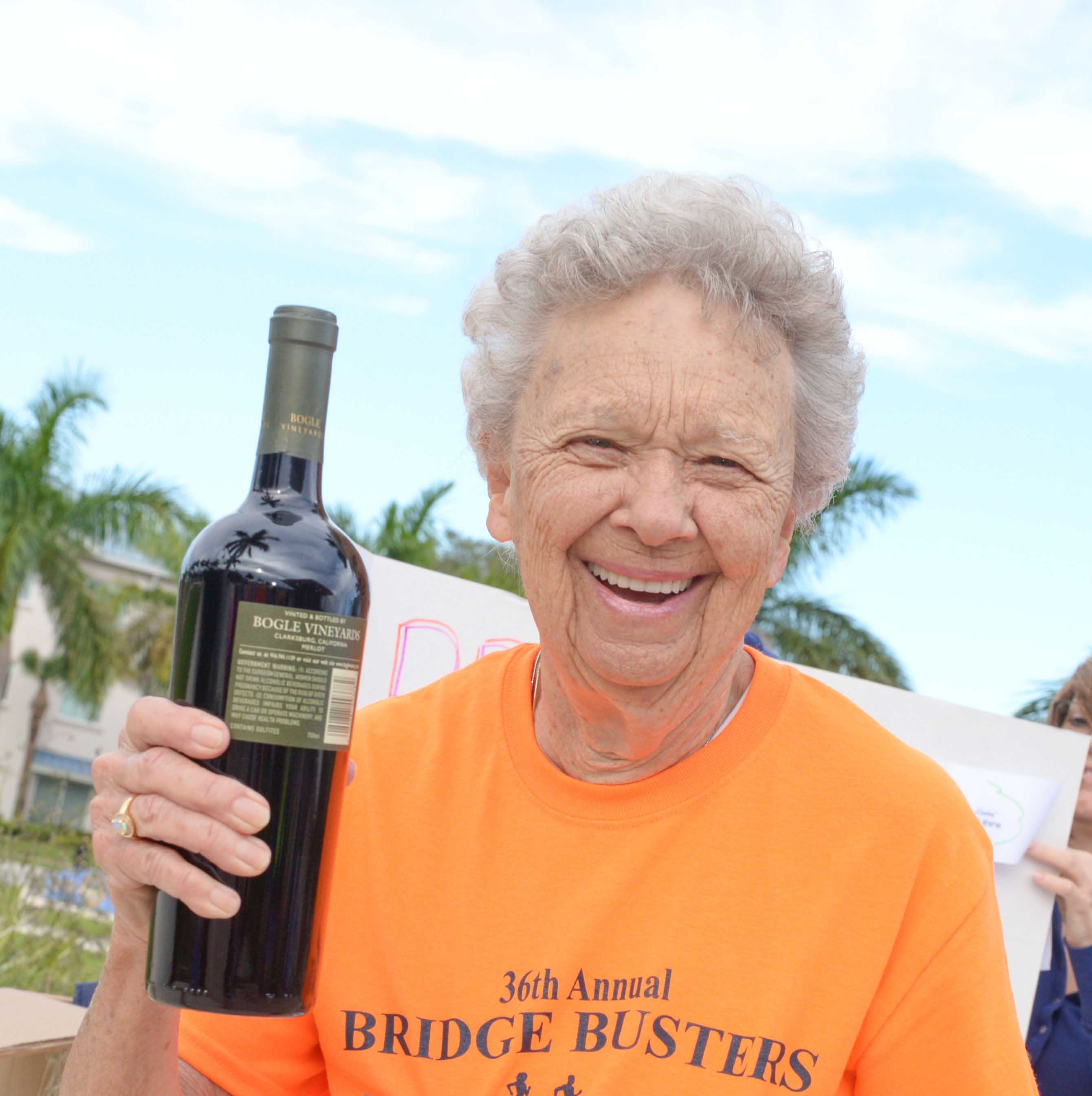 100 runners, walkers take to streets for Fort Pierce Sunrise Kiwanis Club's Bridge Buster 5K