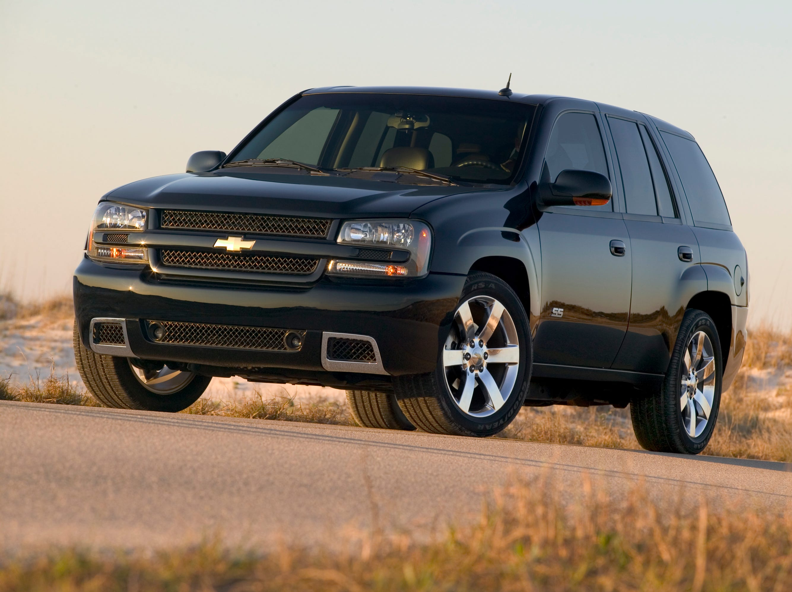 This is a 2008 Chevrolet TrailBlazer SS. The new SUV called the Chevy Blazer, takes an inspiration from the long-gone Chevy TrailBlazer.