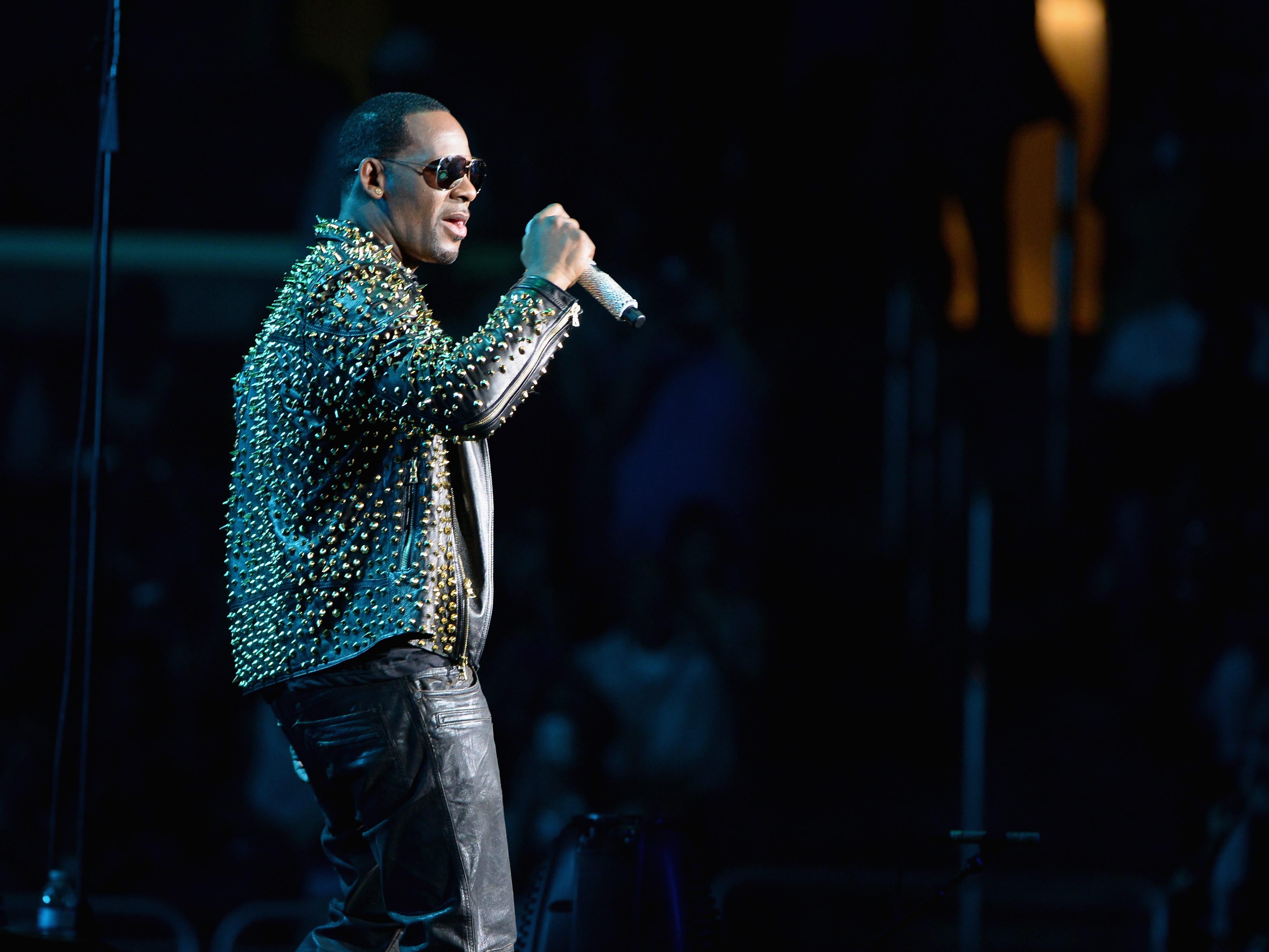 R. Kelly performs onstage during R. Kelly, New Edition and The Jacksons at the 2013 BET Experience at Staples Center June 30, 2013 in Los Angeles.
