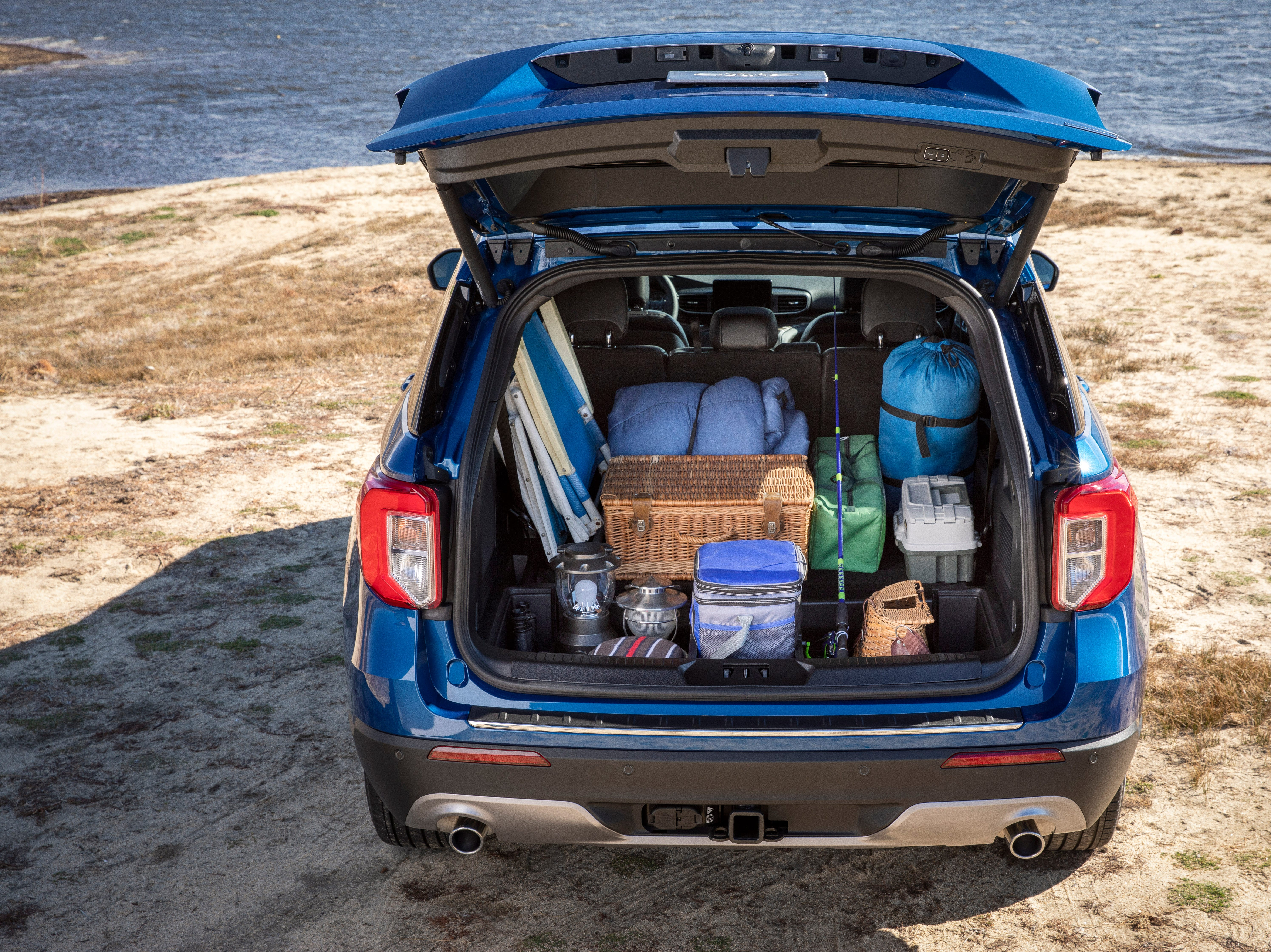 """""""For the 2020 Explorer Hybrid, an all-new 10-speed modular hybrid transmission provides SUV capability. Unlike previous hybrid vehicles, a specially designed liquid-cooled lithium-ion battery is built into the Explorer chassis below the second-row seats to preserve cargo and passenger space."""""""