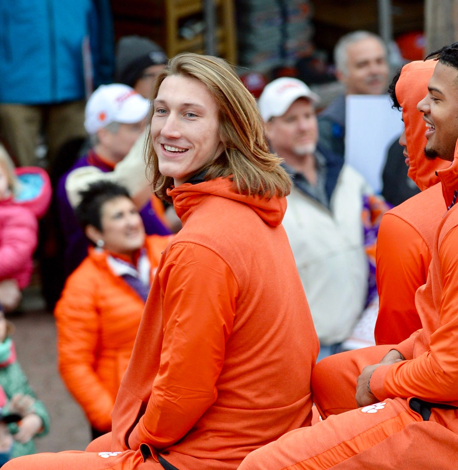 Clemson QB Trevor Lawrence furiously shoves opponent during intramural basketball game