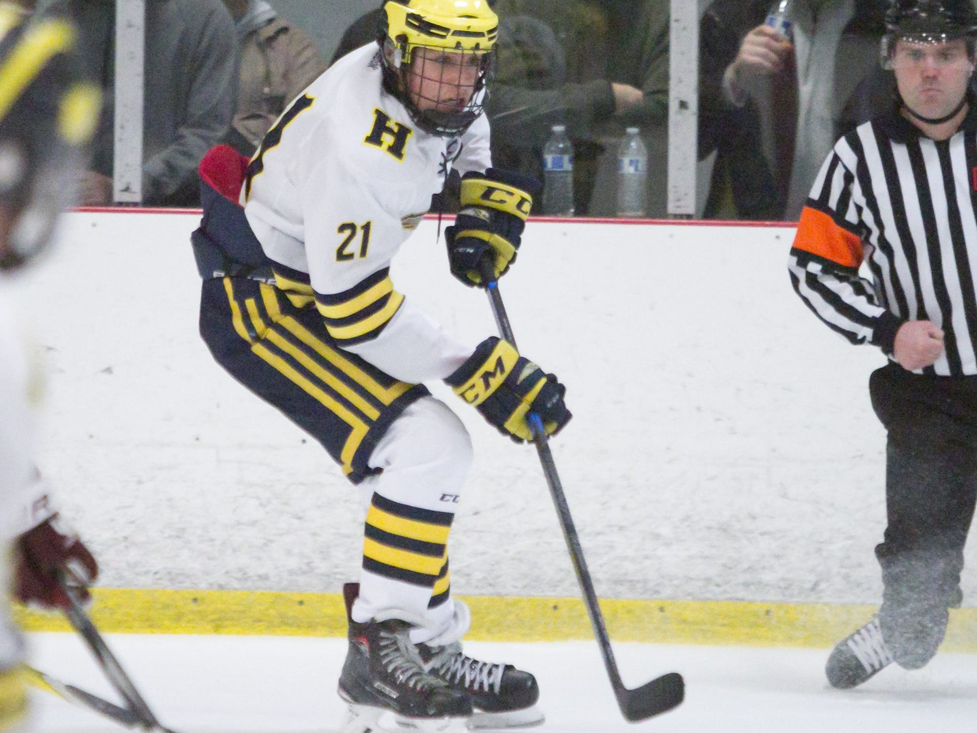 Hartland's Trent Krause handles the puck in a 2-1 victory over Detroit U of D Jesuit on Friday, Jan. 11, 2019 at Hartland Sports Center.