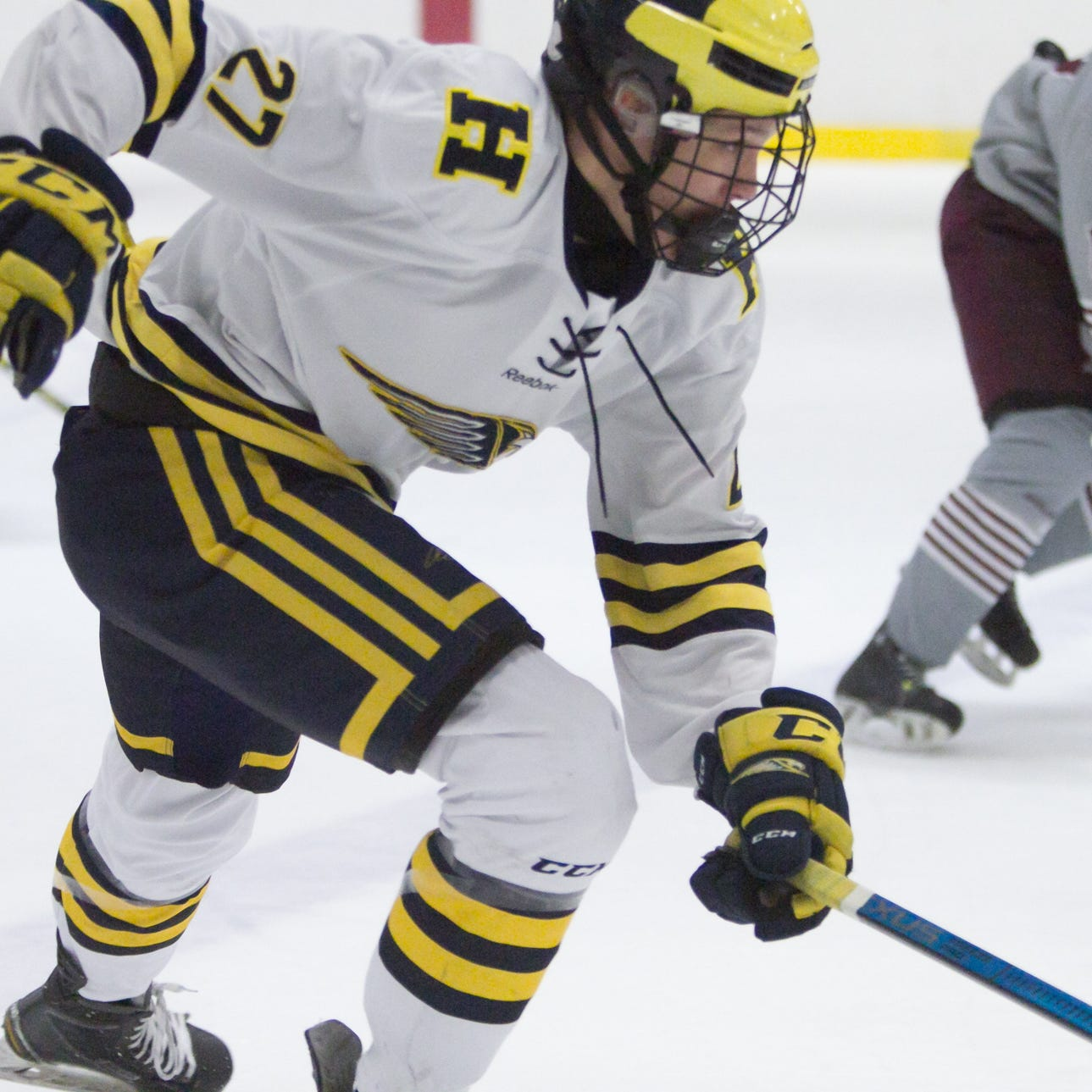 Hartland's new No. 27 scores momentum-altering goal in clash of No. 1 hockey teams