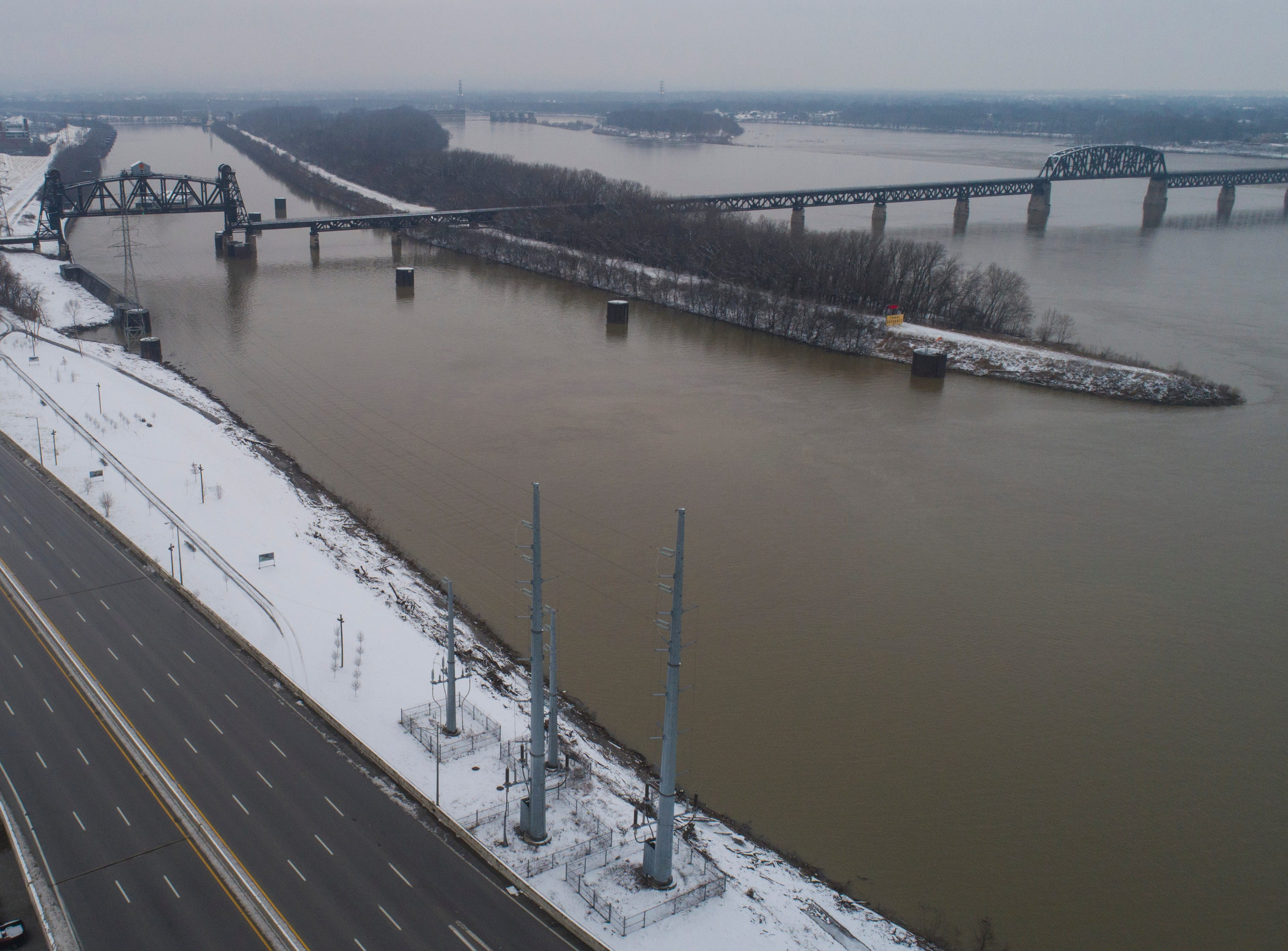 An overview of interstate 64 and the Ohio River in Louisville Saturday morning after the few inches of snow fell through the night. Jan. 12, 2019