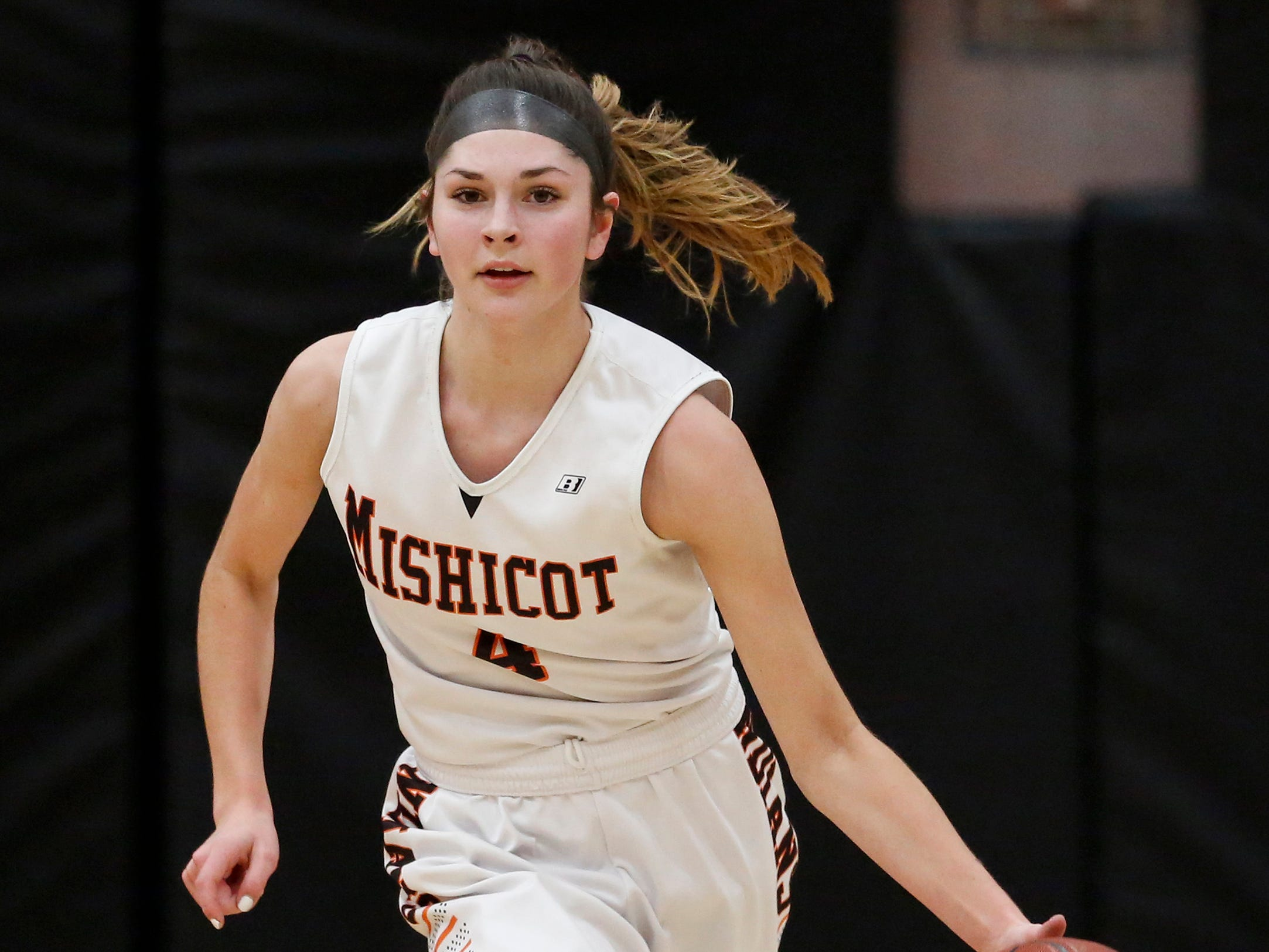 Mishicot's Desiree Kleiman (4) takes the ball down court against Sheboygan Area Lutheran during a Big East Conference matchup at Mishicot High School Friday, January 11, 2019, in Mishicot, Wis. Joshua Clark/USA TODAY NETWORK-Wisconsin