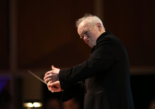 Music director laureate Edo de Waart conducts Milwaukee Symphony performances of Mahler's Symphony No. 9 on April 26 and 27.