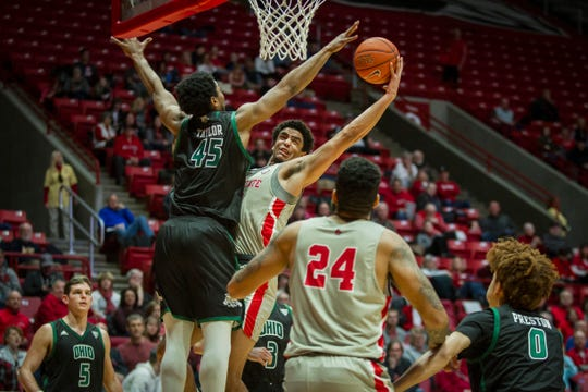 Ball State's Zach Gunn drives to the basket against Ohio on Saturday, January 12, 2019 at Worthen Arena.