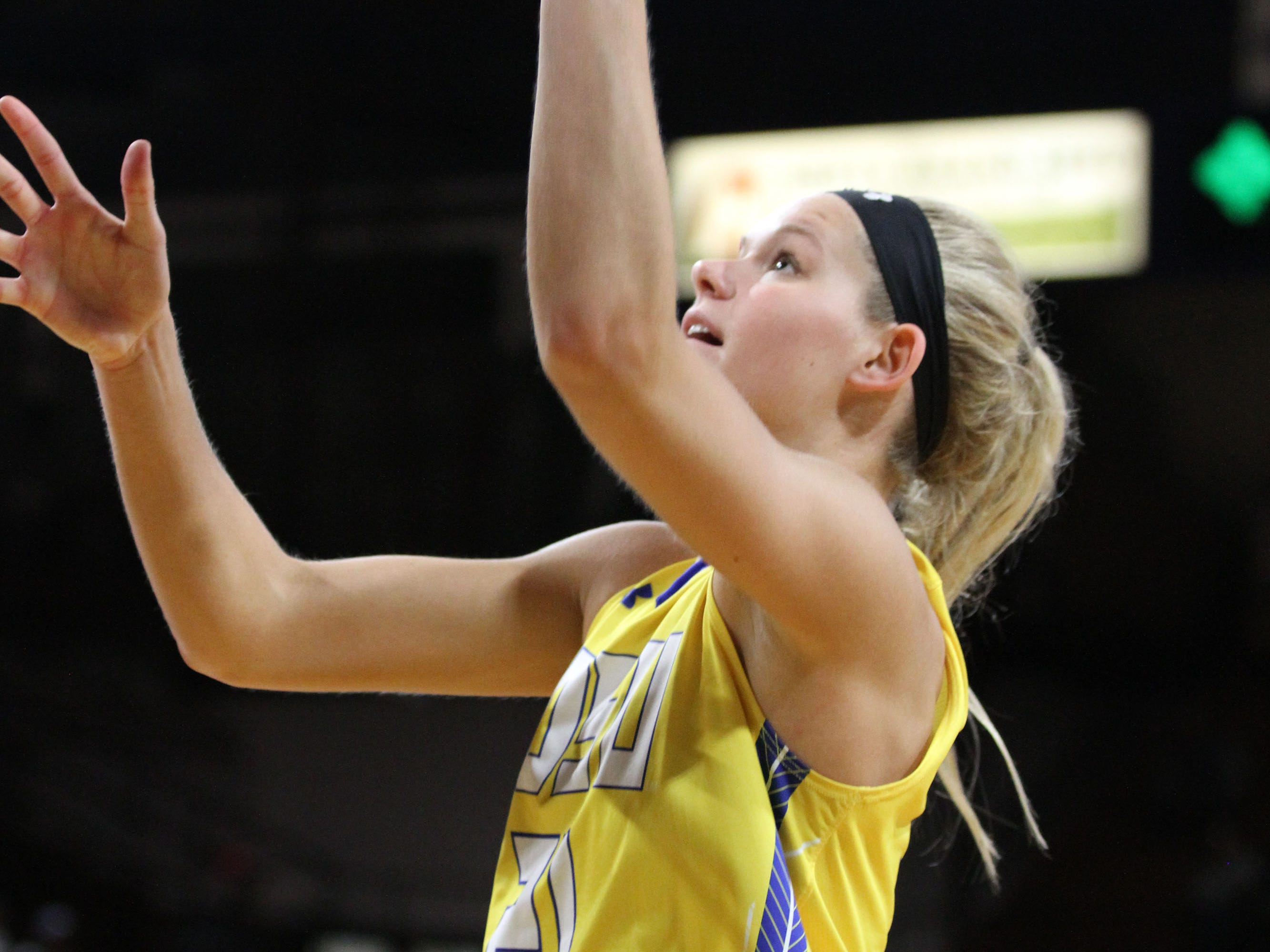 South Dakota State's Tylee Irwin scores in the paint during the second quarter of the Jackrabbits' matchup against Oral Roberts Saturday afternoon at Frost Arena in Brookings.