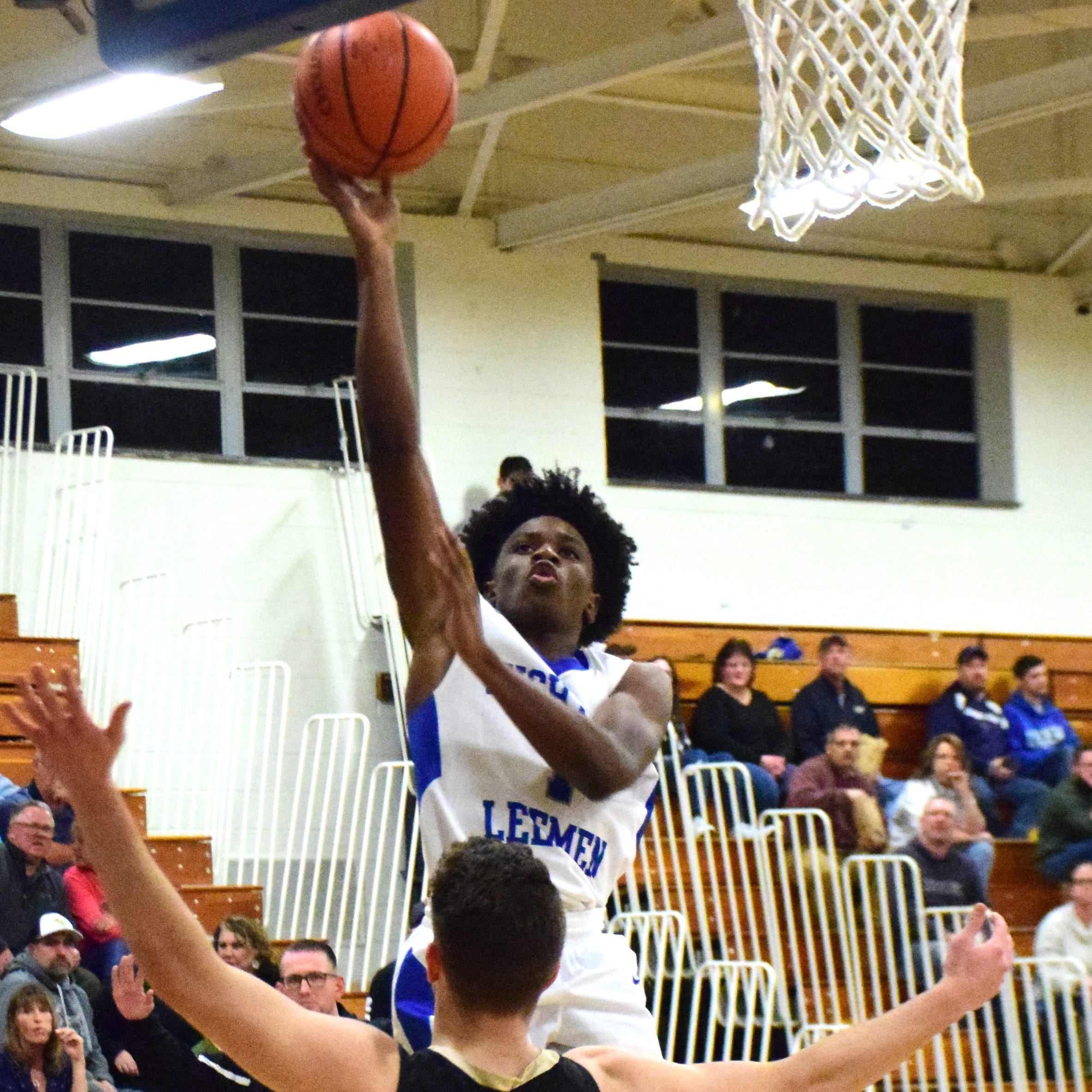 Flying start fuels Lee boys to district win over Buffalo Gap