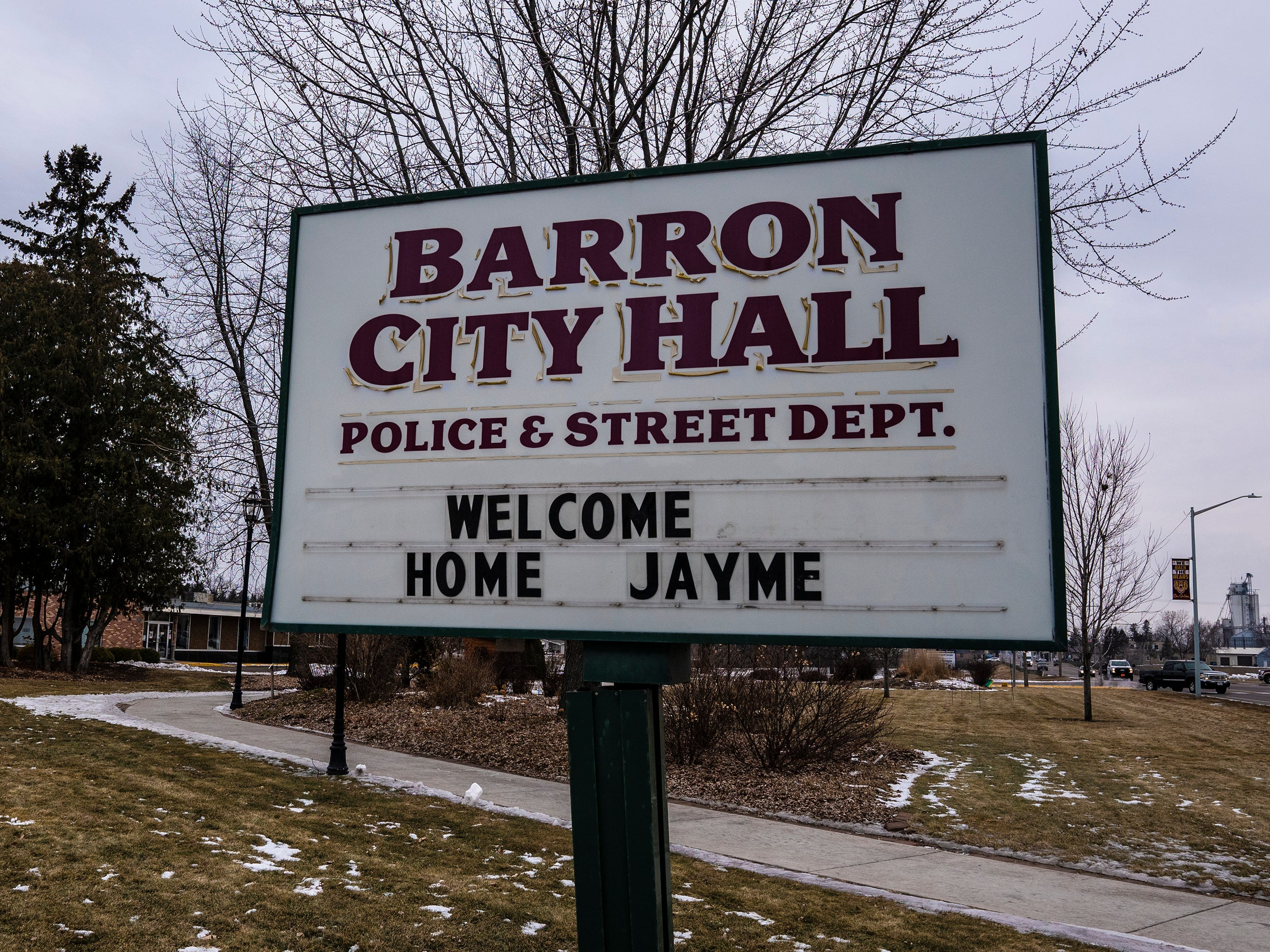 Barron churches, residents, businesses  and nonprofit organizations used their signs to welcome Jayme Closs home.