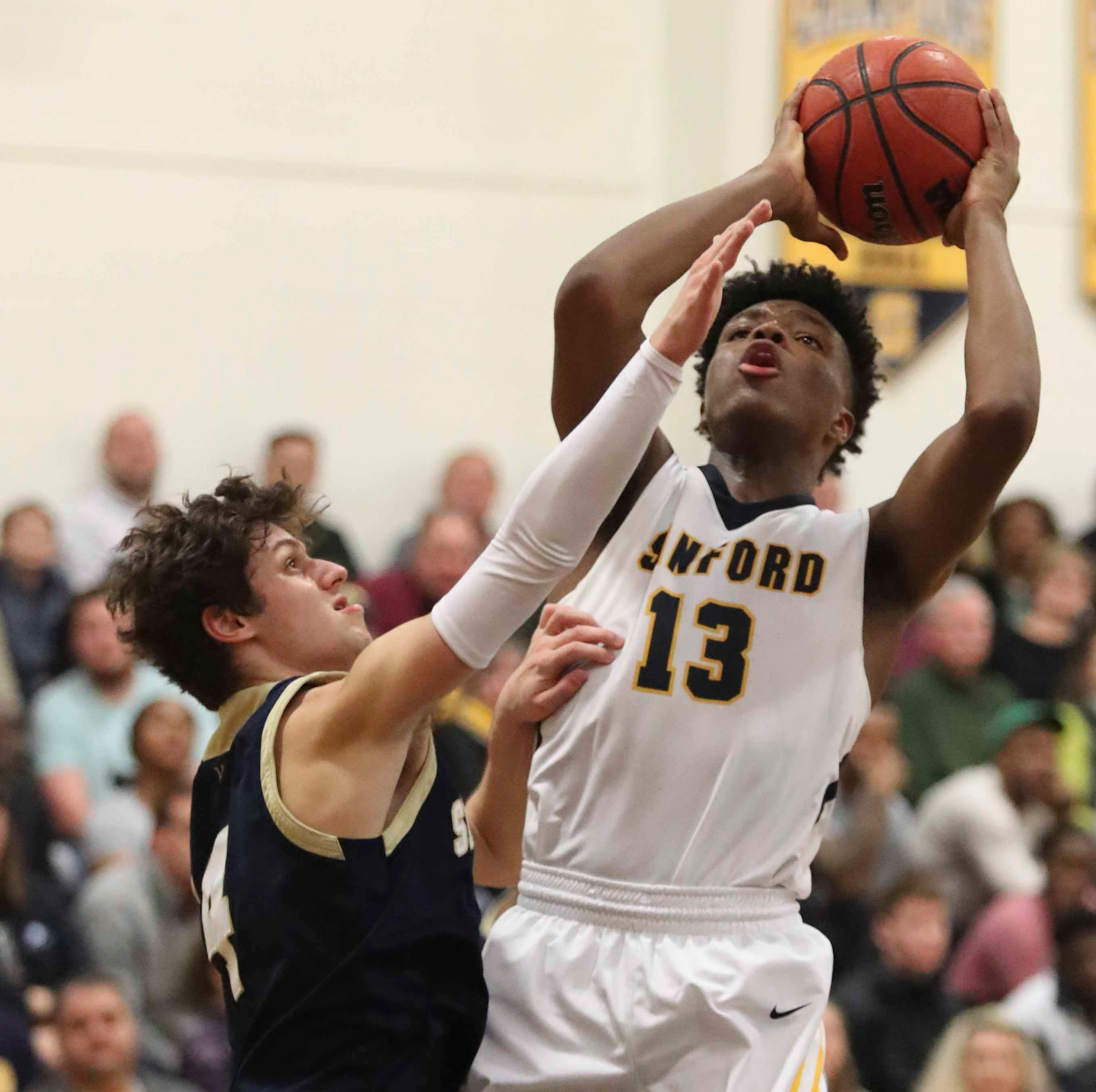 Sanford's Jyare Davis reaches milestone, wins Delaware Online Athlete of the Week vote