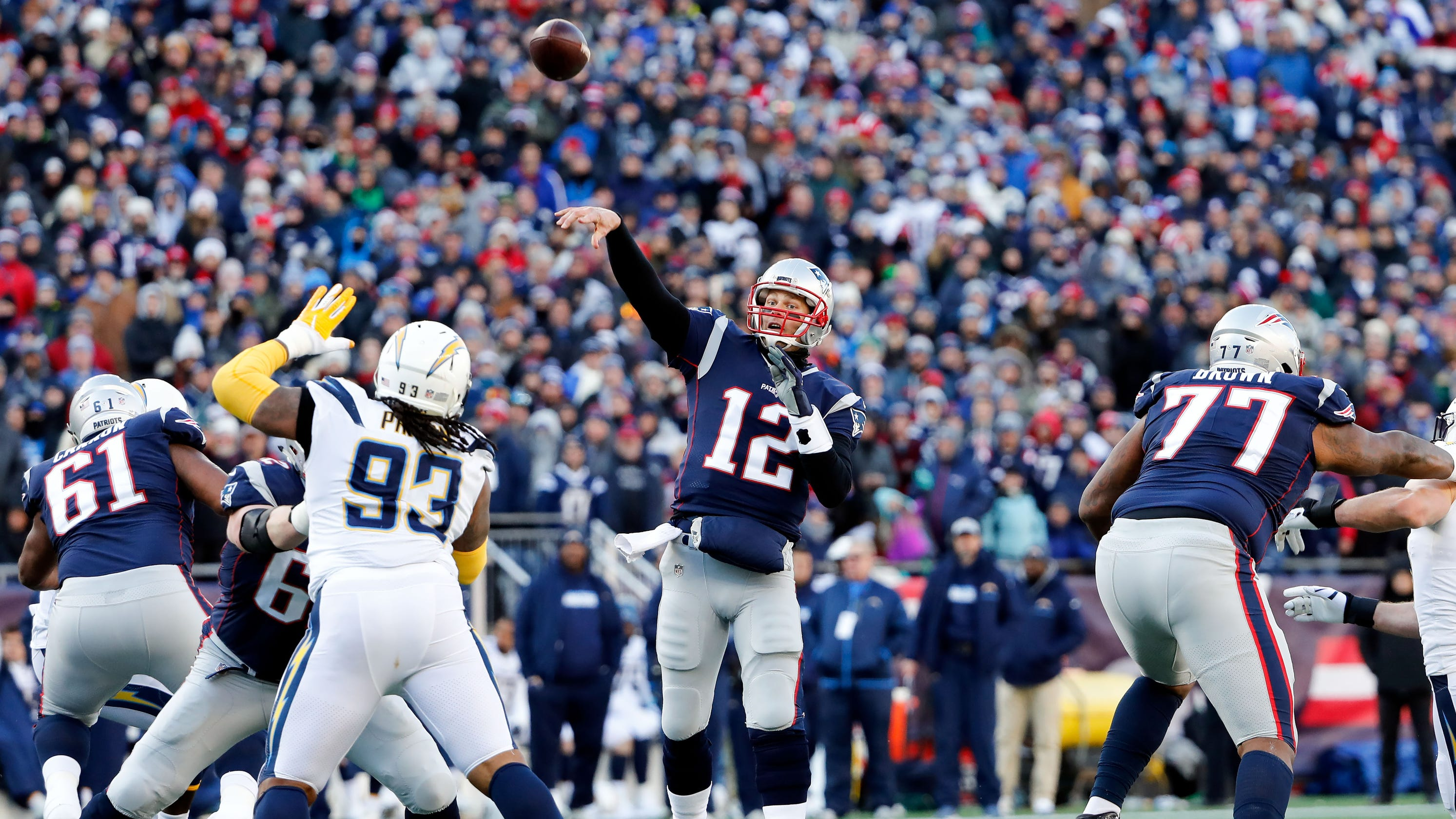 79e7d689add New England Patriots defeat Los Angeles Chargers to move to AFC title game