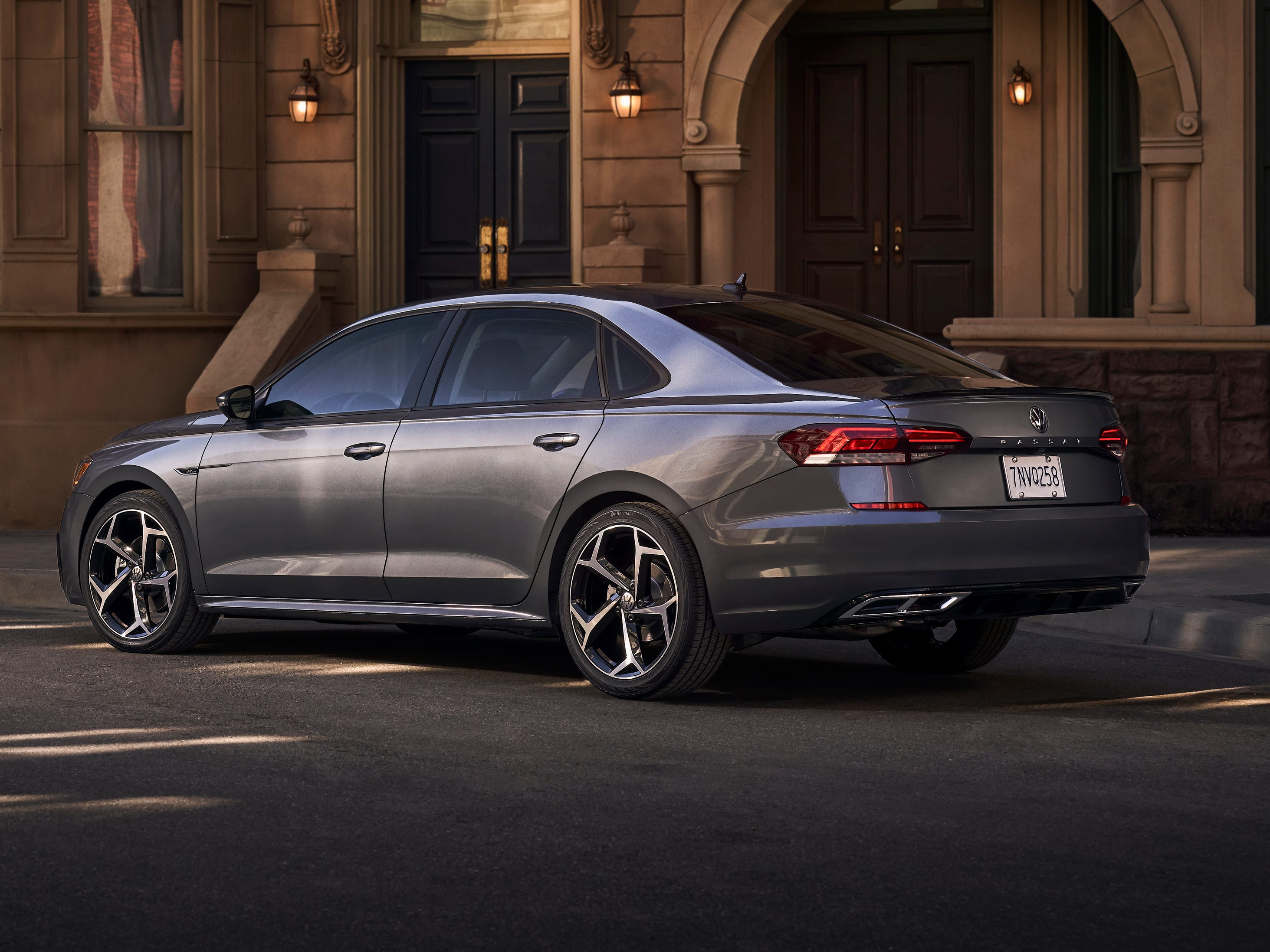 Every Passat comes with standard Volkswagen Car-Net® AppConnect technology, which integrates compatible smartphones with the three major platforms — Apple CarPlay™, Android Auto™ and MirrorLink® — making select apps accessible from the infotainment screen.
