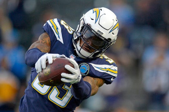 Displaying a beast-like physicality and impressive tackling skills, standout safety Derwin James hopes to lead the Los Angeles Chargers to their first Super Bowl title.