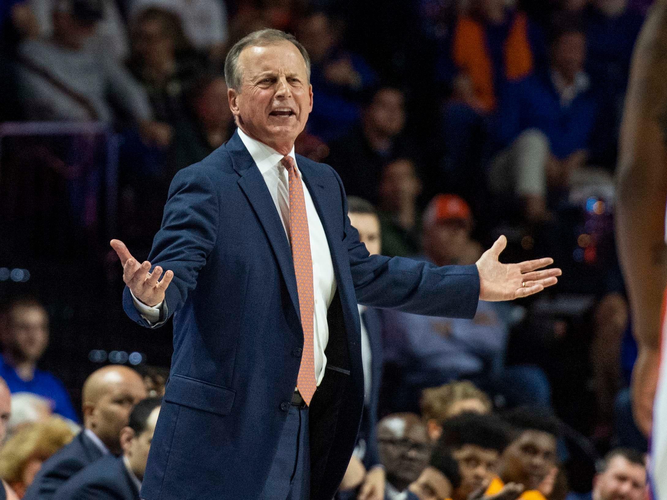 Tennessee Volunteers head coach Rick Barnes looks vs.Florida on Jan. 12, 2019.