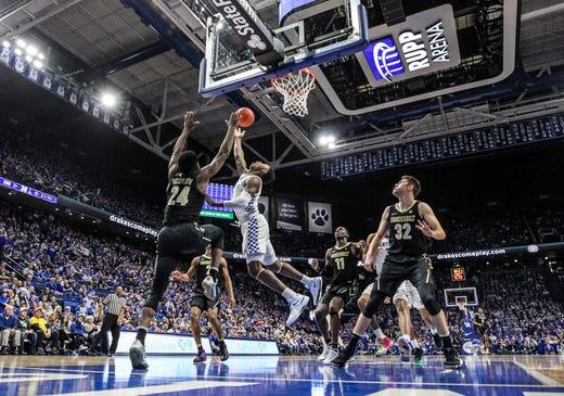 e8b564a25ab Kentucky basketball has slow start but finds a way to beat Vanderbilt