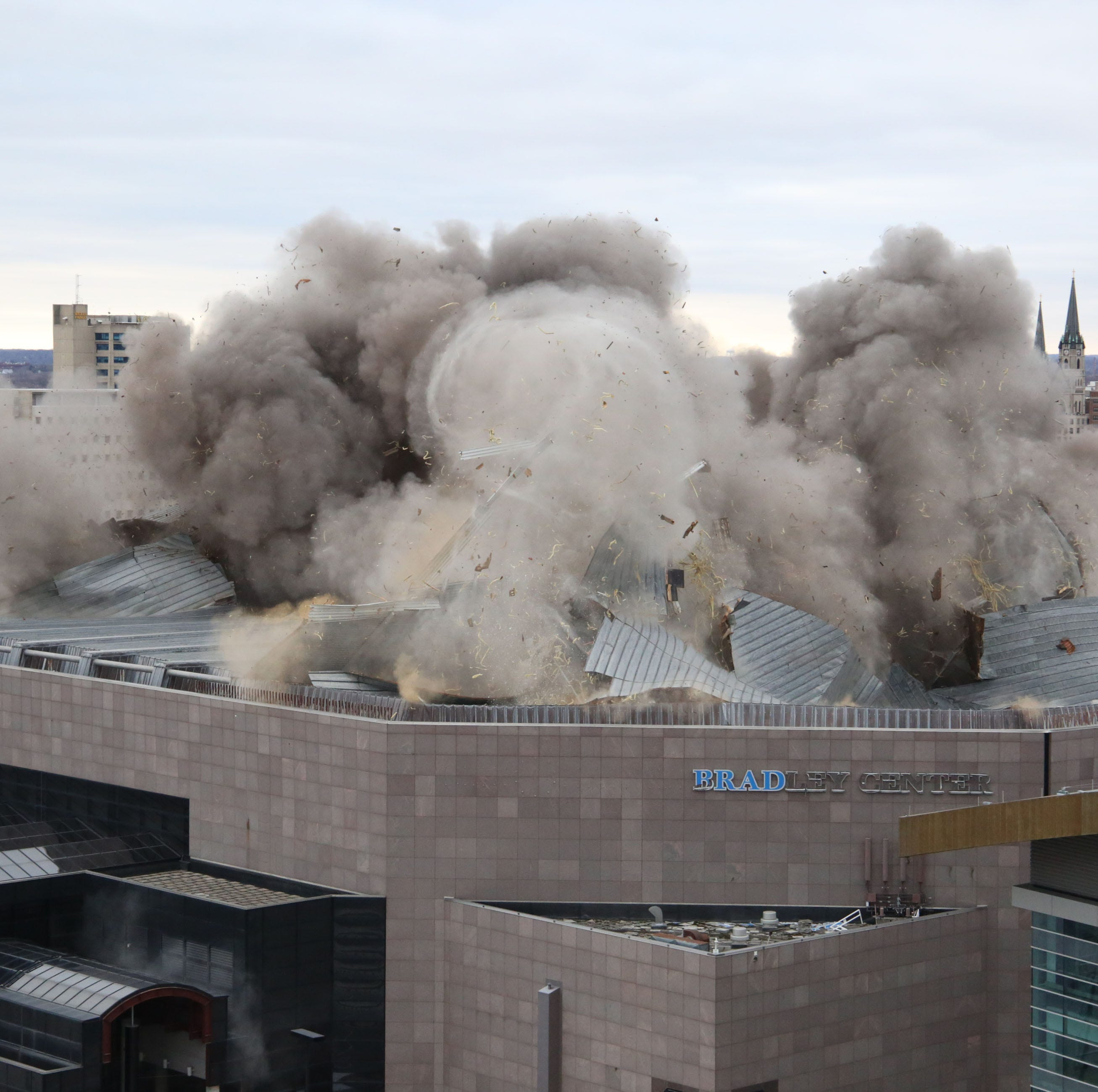 Spectacular blast collapses roof of Bradley Center on Sunday morning