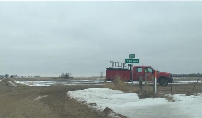 Authorities on scene of a plane crash west of Sioux Falls on Jan. 13.