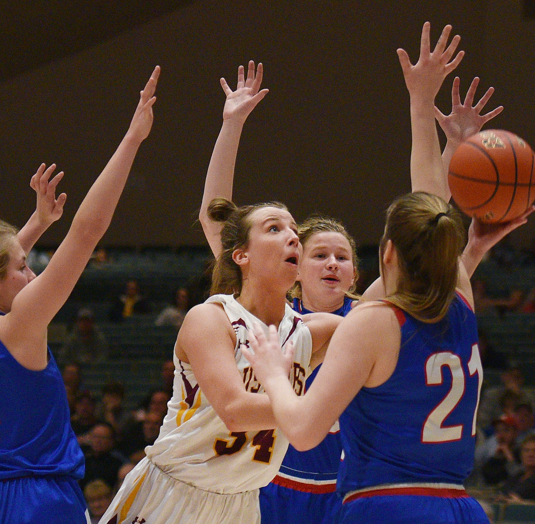 On Preps: Karly Gustafson leads No. 1 Ethan to dominating win over No. 3 Warner