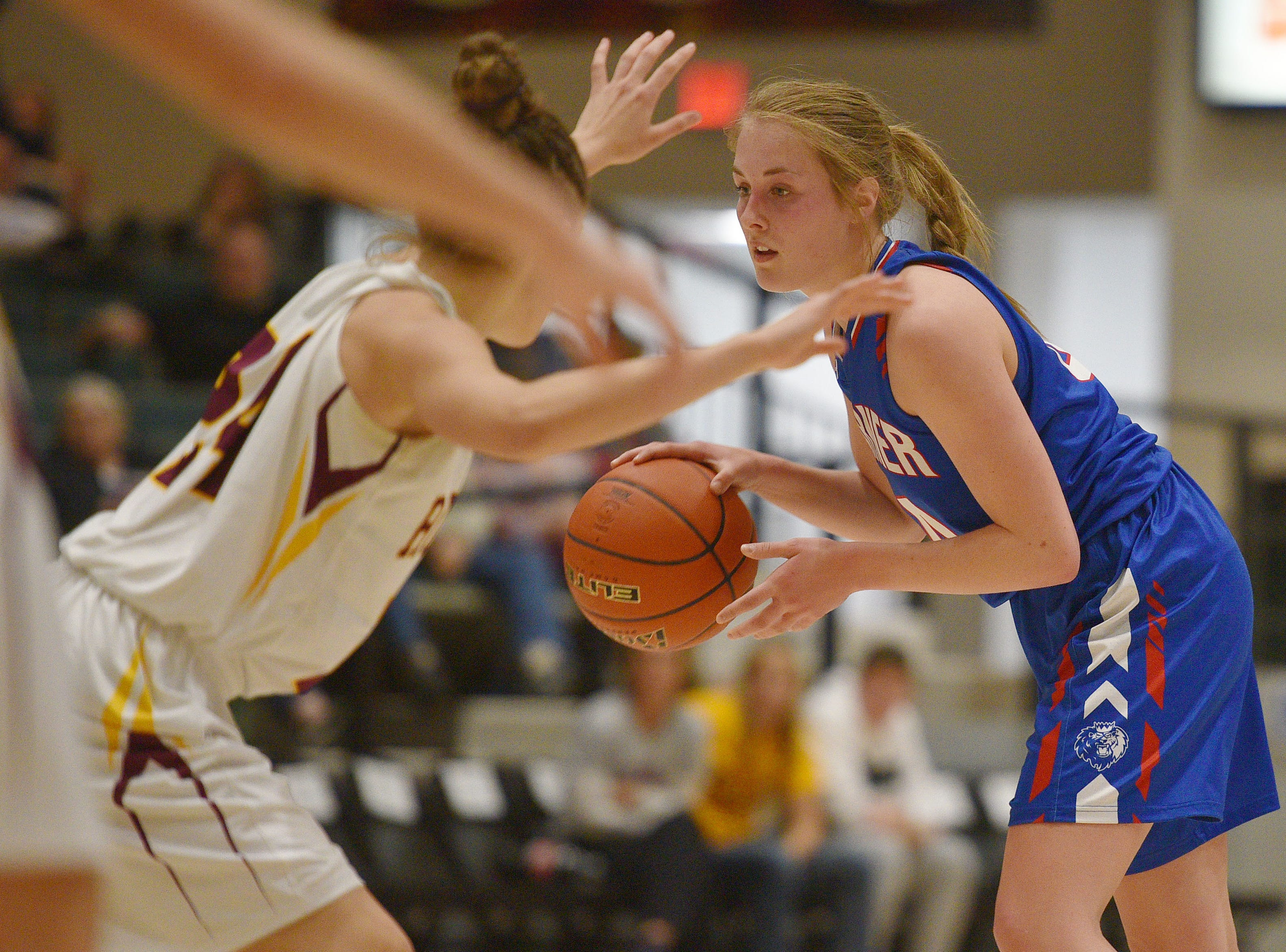 Warner's Sydney Leidholt goes against Ethan defense in the Hanson Girls Classic Saturday,  Jan. 12, in Mitchell.