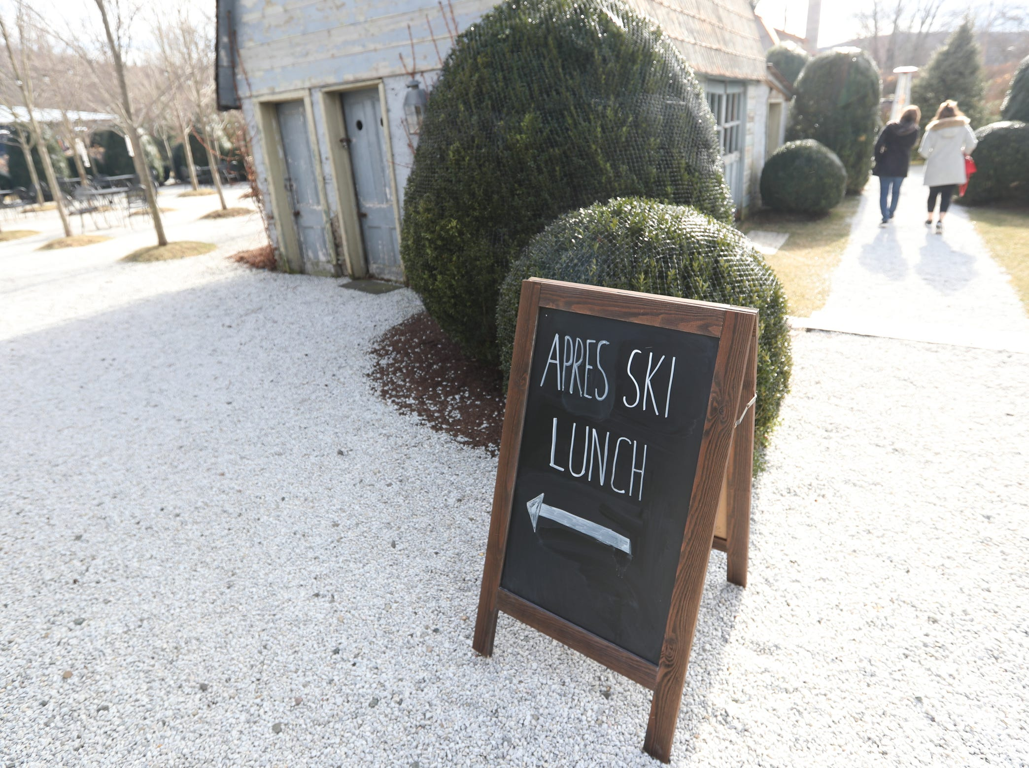The Valley Rock Inn & Mountain Club in Sloatsburg hosts a apres ski lunch on  Saturdays. Saturday, January 12, 2019.