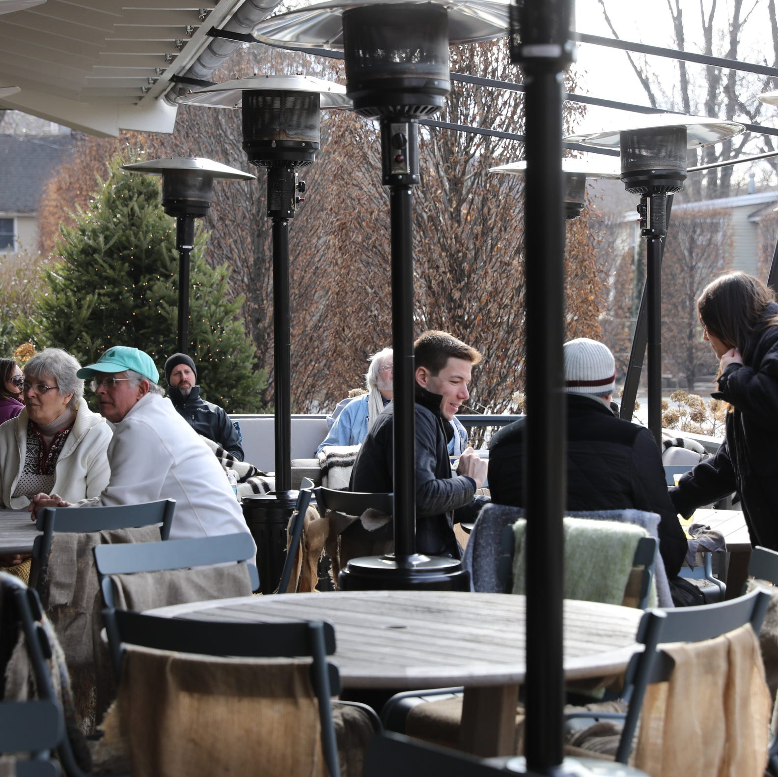 No skis required at Valley Rock Inn & Mountain Club's après-ski lunches