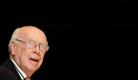 James Watson, founder of the DNA structure and winner of the 1962 Physiology and Medicine Nobel Prize, has had his honorary titles revoked by the Cold Spring Harbor Laboratory in New York.
