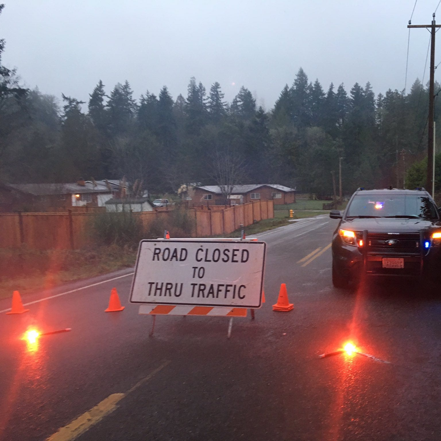 One man killed in car crash on Illahee Road in Kitsap