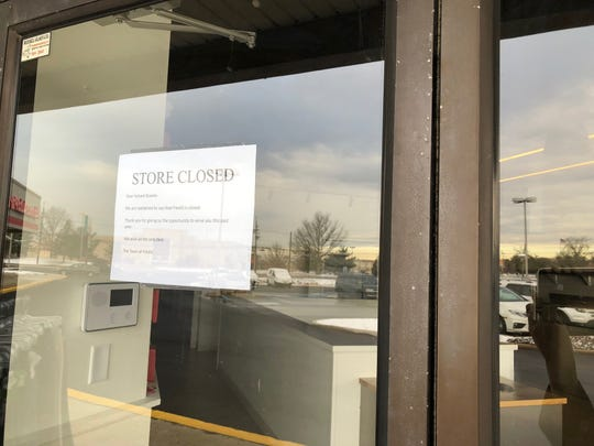 A note left on the door at Freshii restaurant in Maple Shade announces the closure.