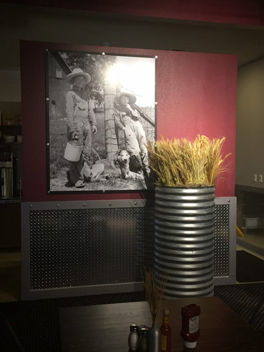 Farm accents can be found throughout Hash House a Go Go.