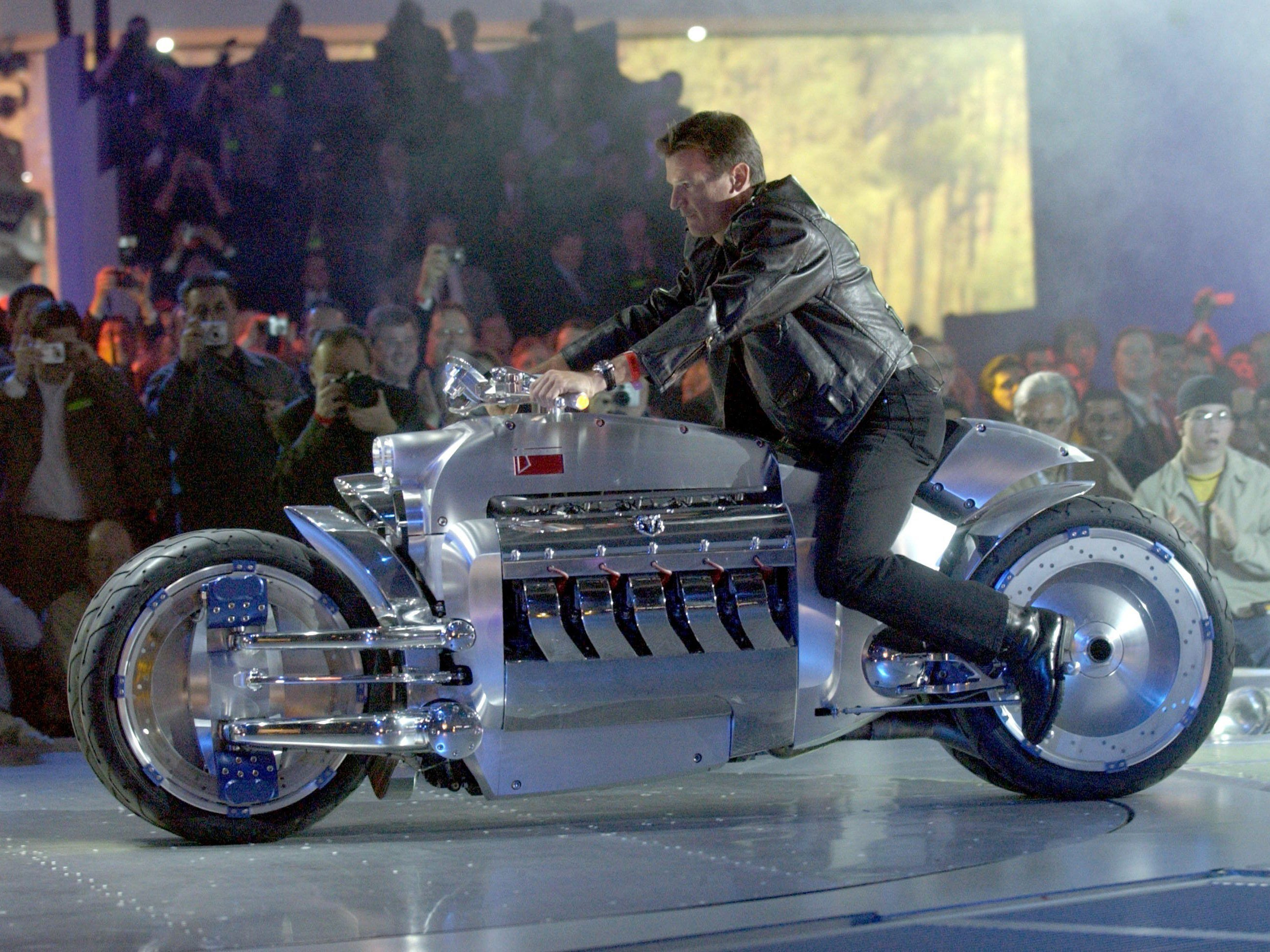 In 2003, then-Chrysler Group COO Wolfgang Bernhard drove a Tomahawk concept motorcycle powered by a V10 engine from the Dodge Viper onto the stage at the North American International Auto Show.