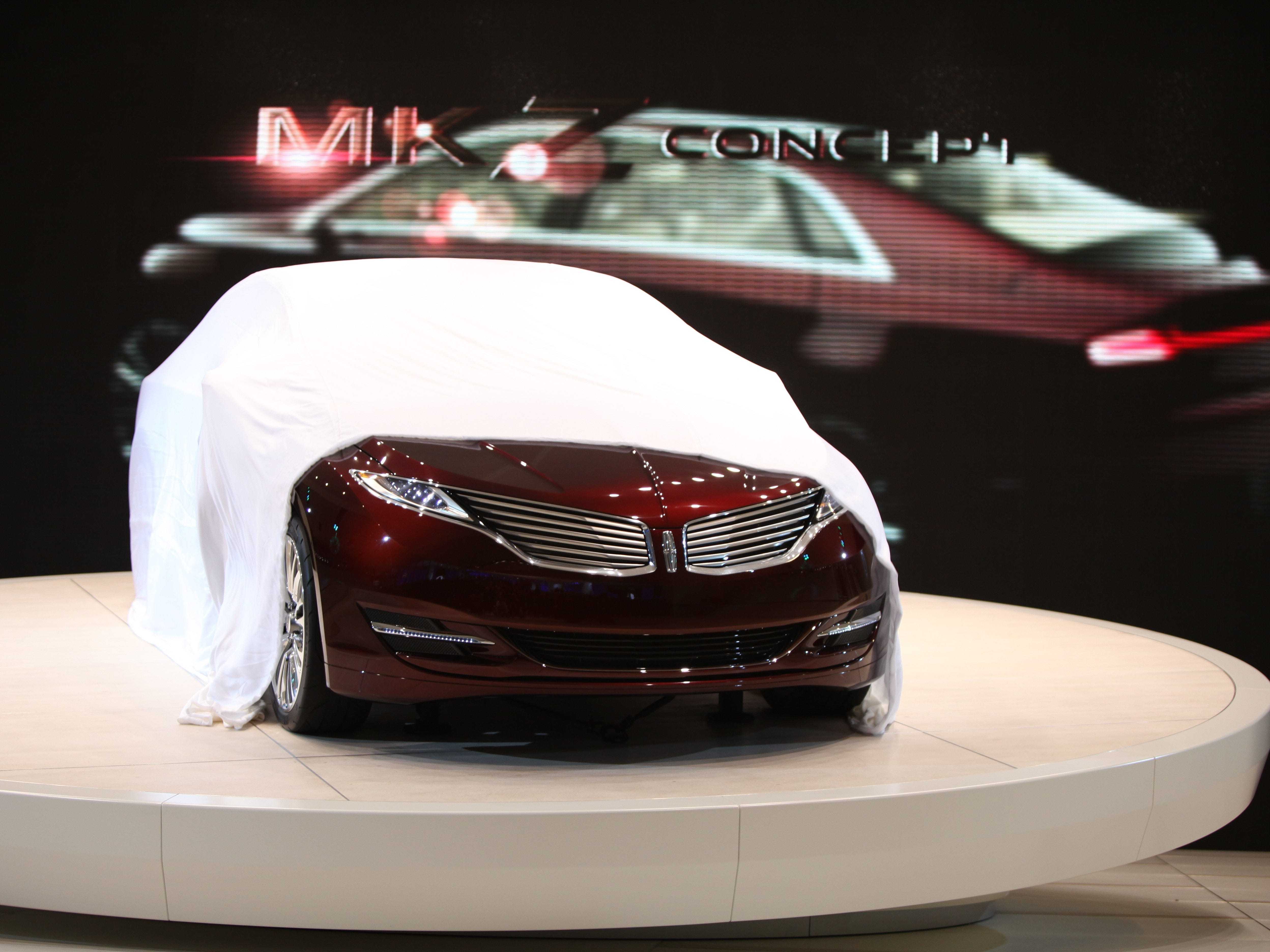 The Lincoln MKZ concept is unveiled at the North American International Auto Show at Cobo Center in Detroit, Tuesday, Jan 10, 2012.