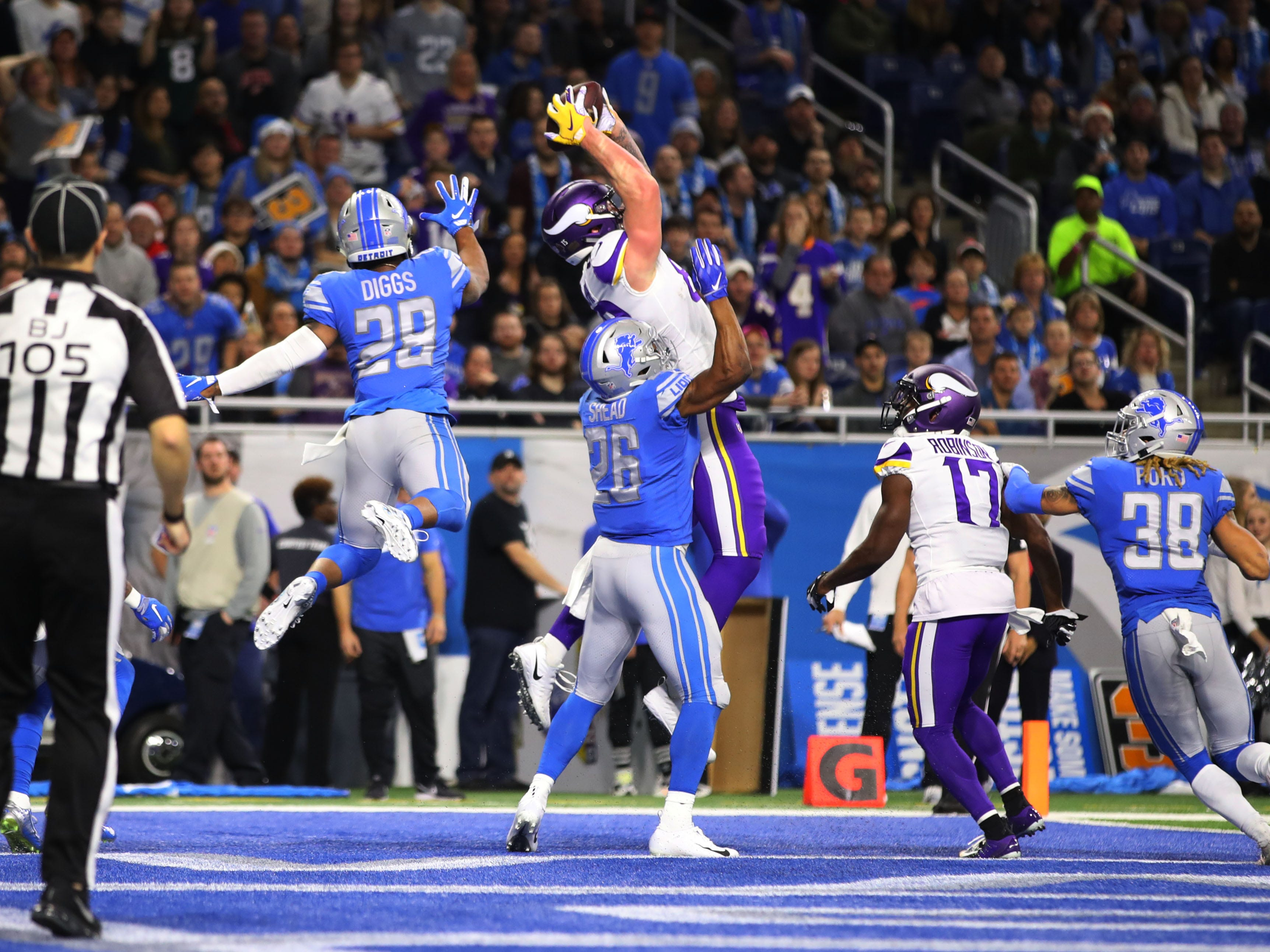 Vikings tight end Kyle Rudolph makes a touchdown catch in the second quarter of the Lions' 27-9 loss on Sunday, Dec. 23, 2018, at Ford Field.