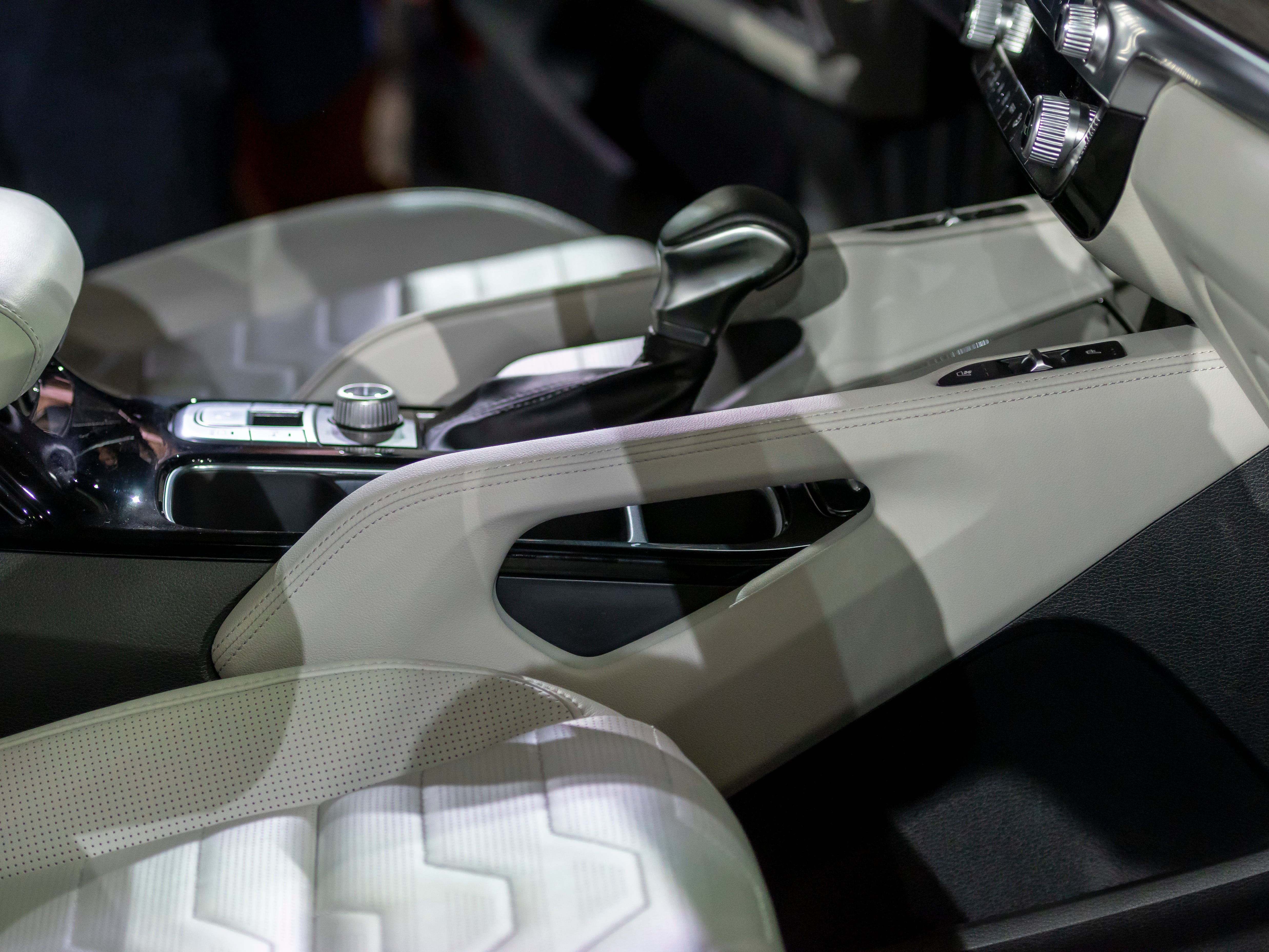 Large handle grips are part of the interior of the 2020 Kia Telluride.