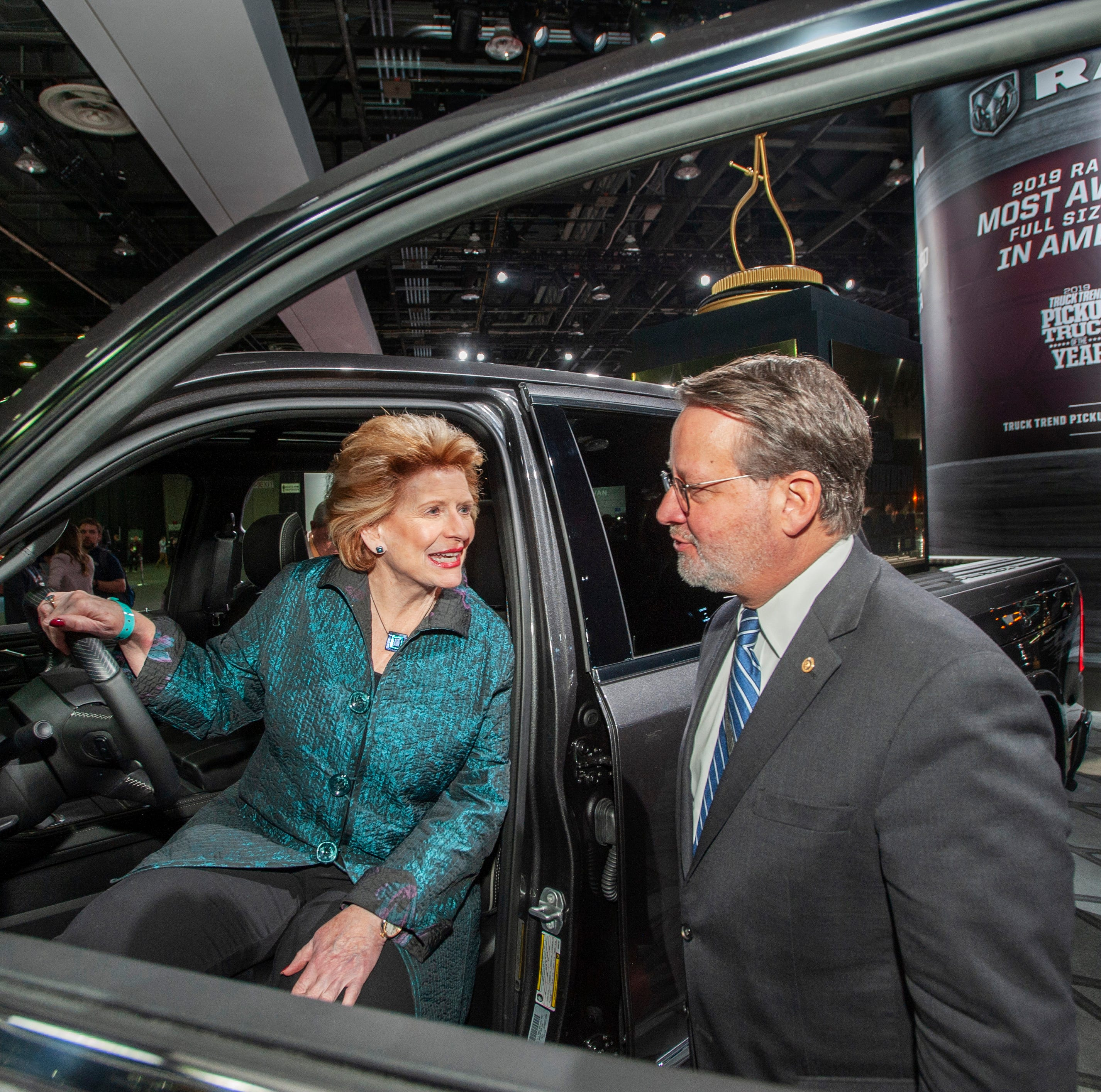 Stabenow, Peters vote 'present' on Green New Deal resolution