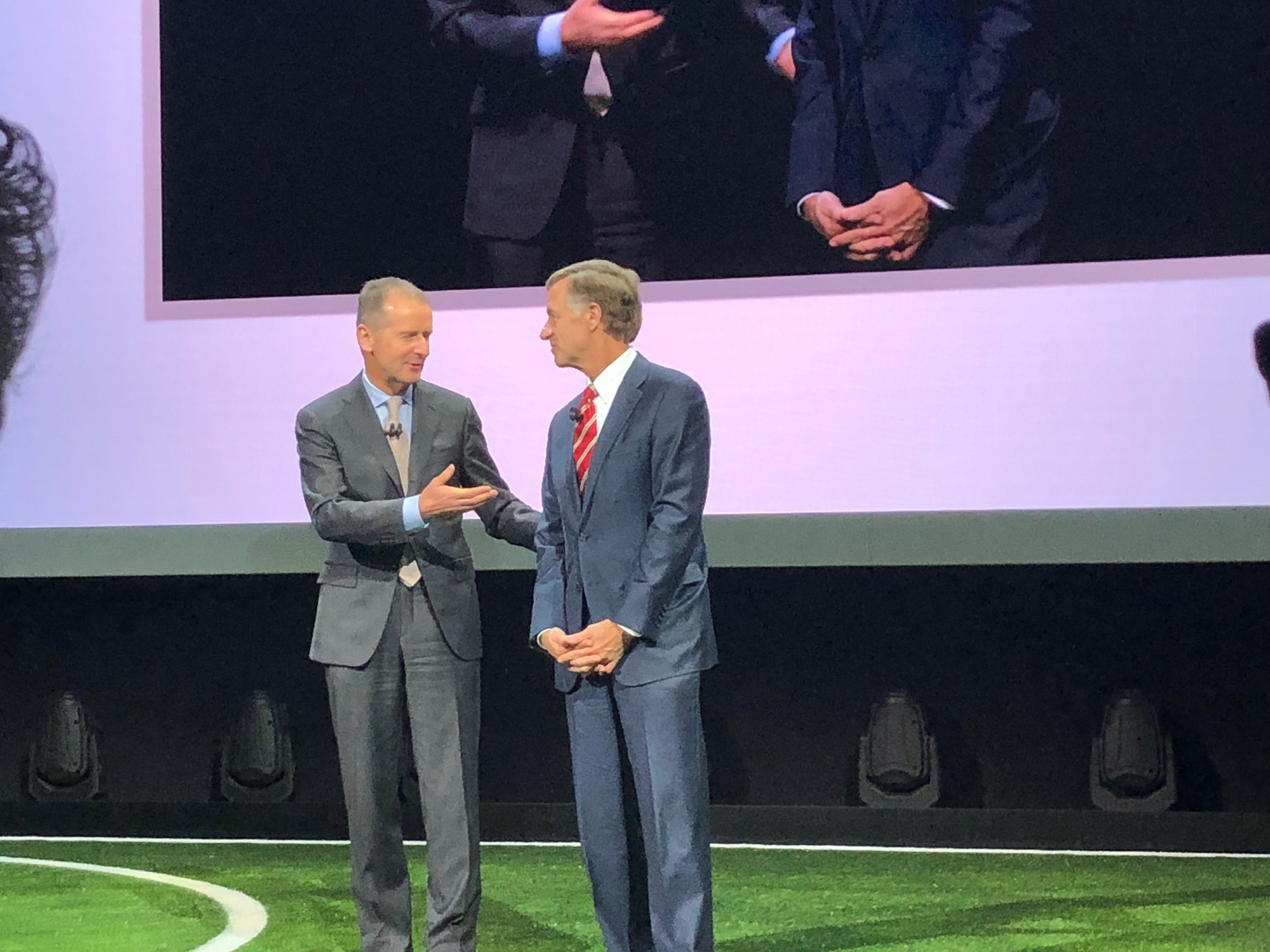 Dr. Herbert Diess of VW with Tennessee Gov. Bill Haslam as they announce plans for a new plant there.
