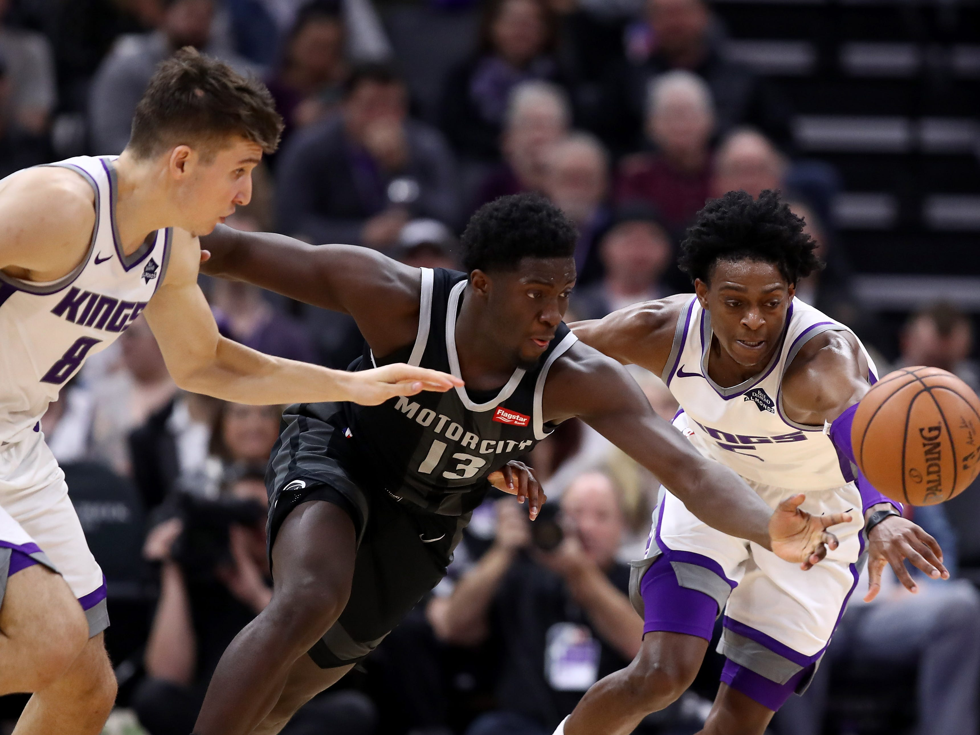 Khyri Thomas -- Stats: 3.7 pts., 1 rebs., 54% 3FG in nine games. Age: 22. The rookie was stuck on the bench in what looked to be a development year, but he's found his way into spot minutes and has impressed Casey. He's a good two-way player but his 3-point shooting could help him see more game time in the second half. Grade: B