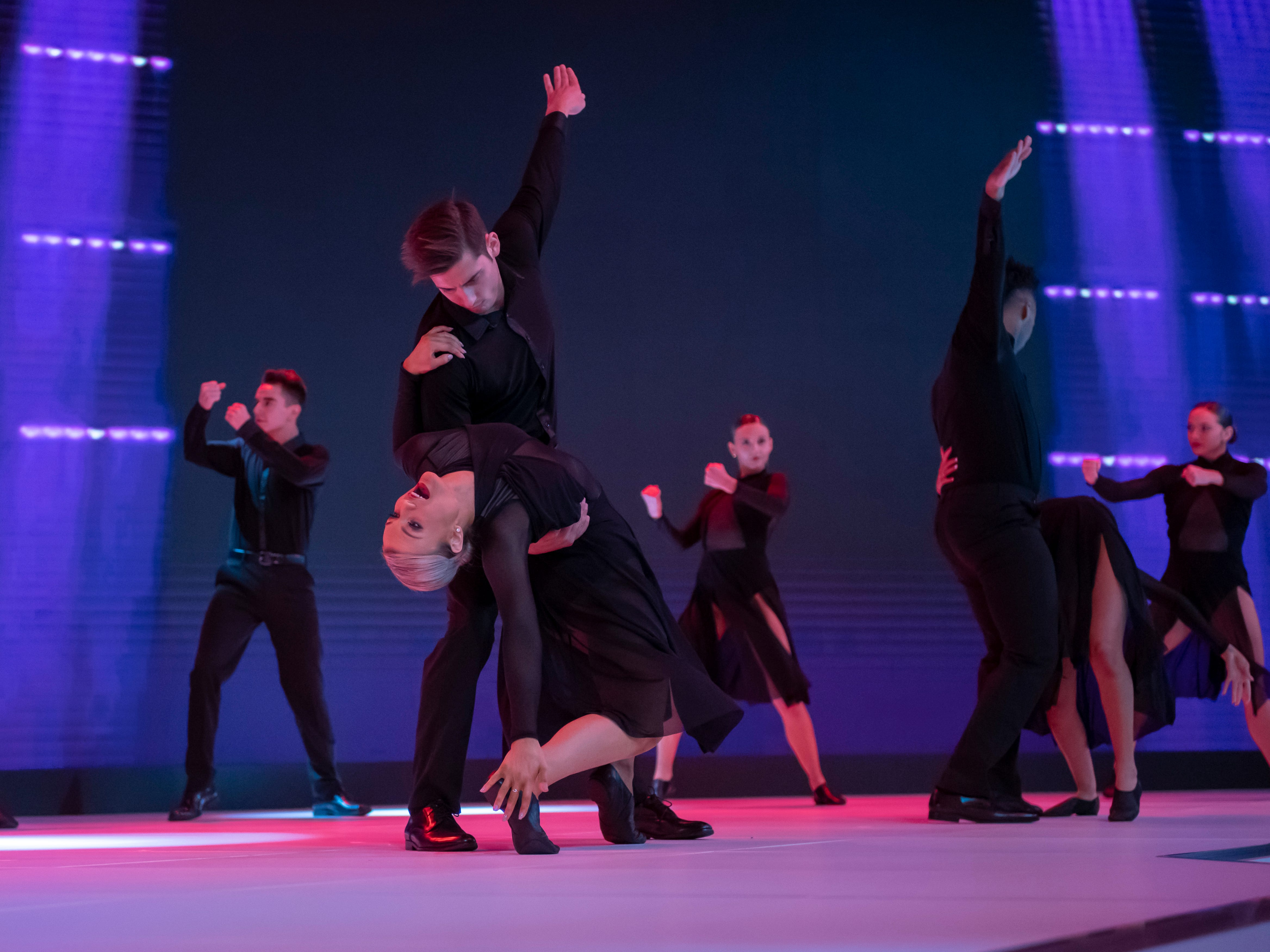 Dancers perform before the reveal of the GAC Entranze concept.