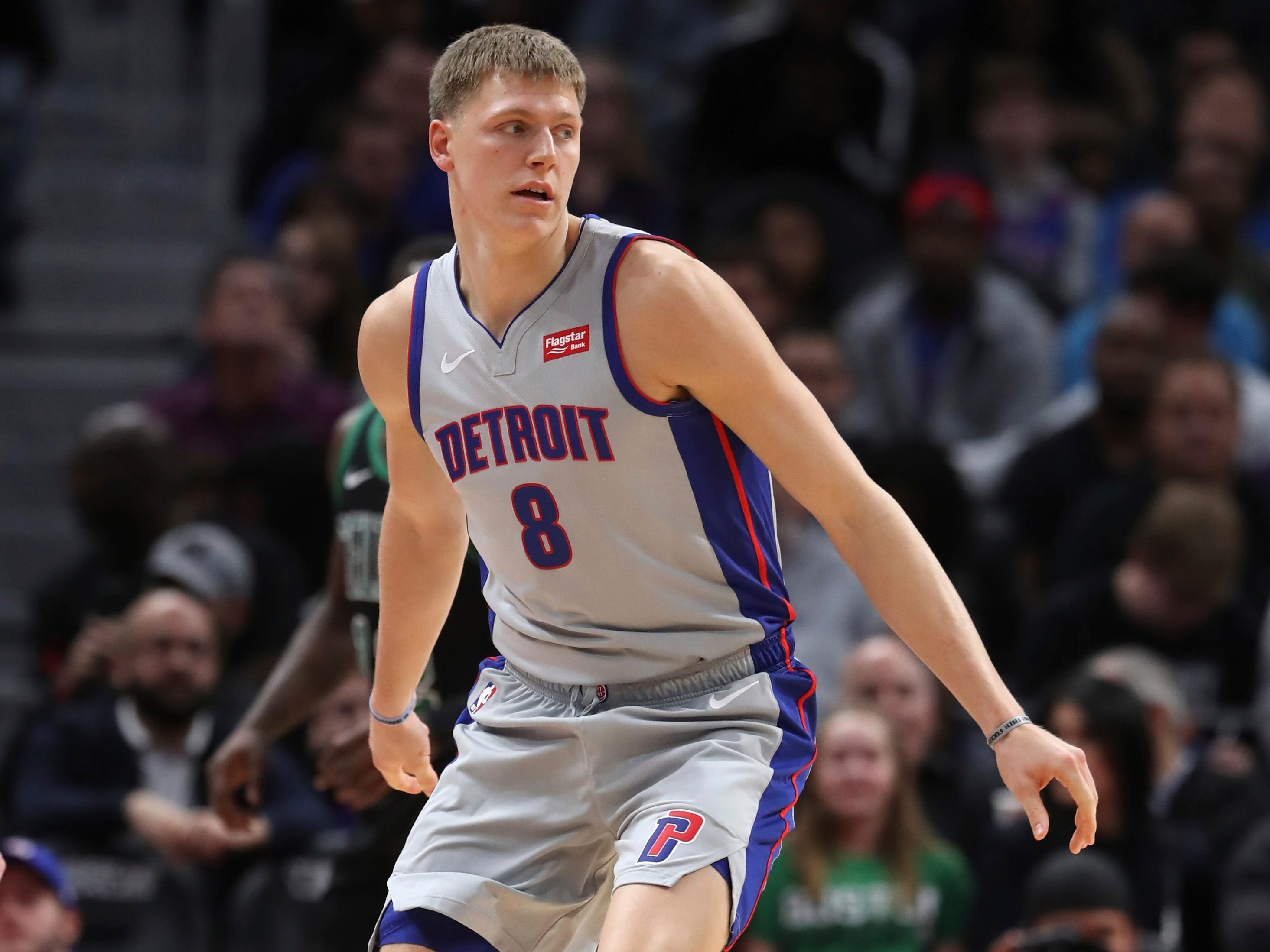 Henry Ellenson -- Stats: 6 pts., 4.5 rebs., 50% 3FG in 2 games. Age: 22. The writing was on the wall when the team declined his option for next year. He'll become an unrestricted free agent and look potentially to start over somewhere else. He's been inactive for most of the games this season and an ankle injury sidelined him even when he got a shot. Grade: Incomplete.